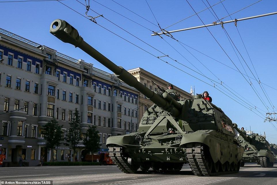 Mãn nhãn dàn khí tài khủng của Nga trong lễ duyệt binh - 31