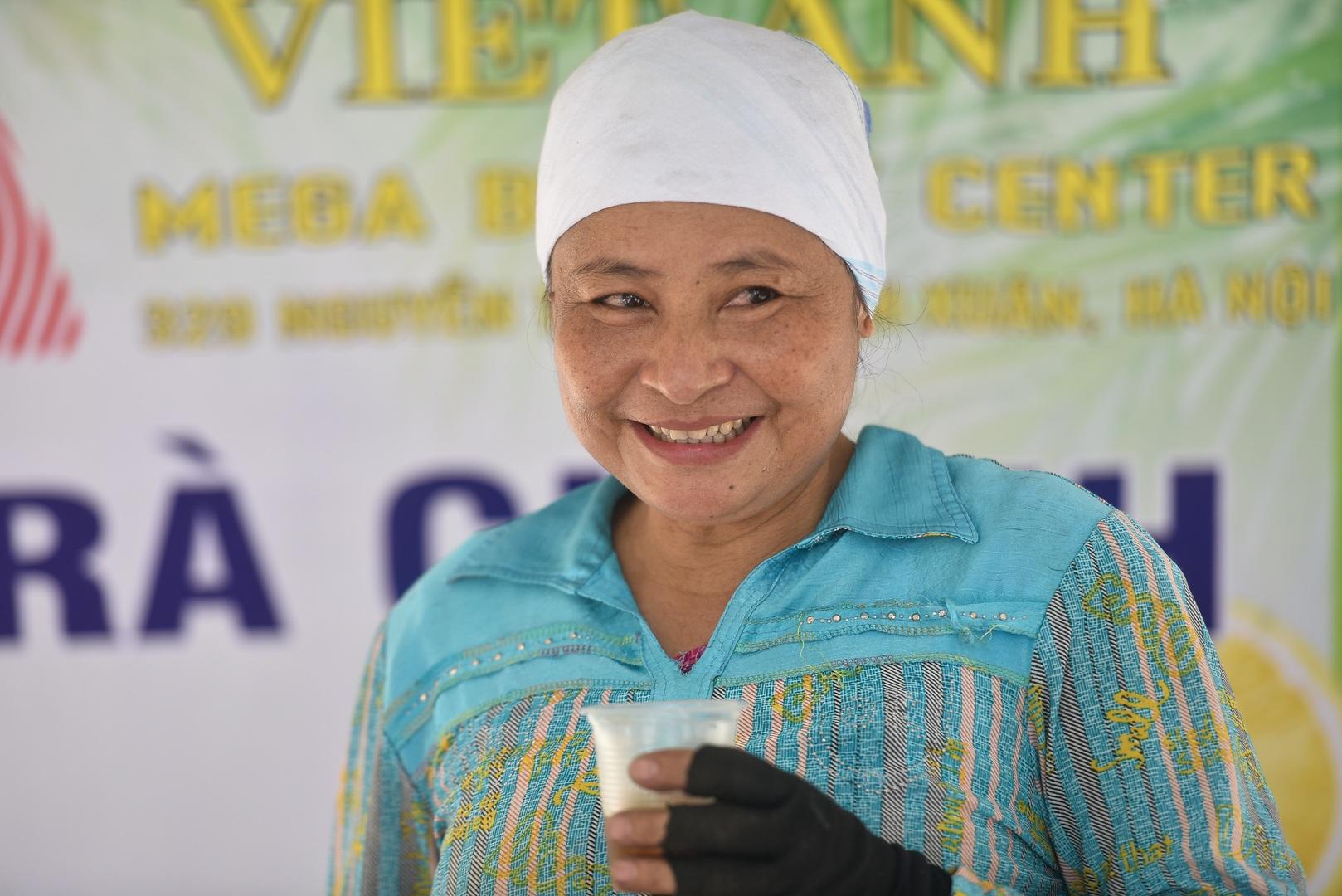 Hà Nội: Mát lòng trà chanh đá miễn phí giữa ngày nắng đỉnh điểm - 27