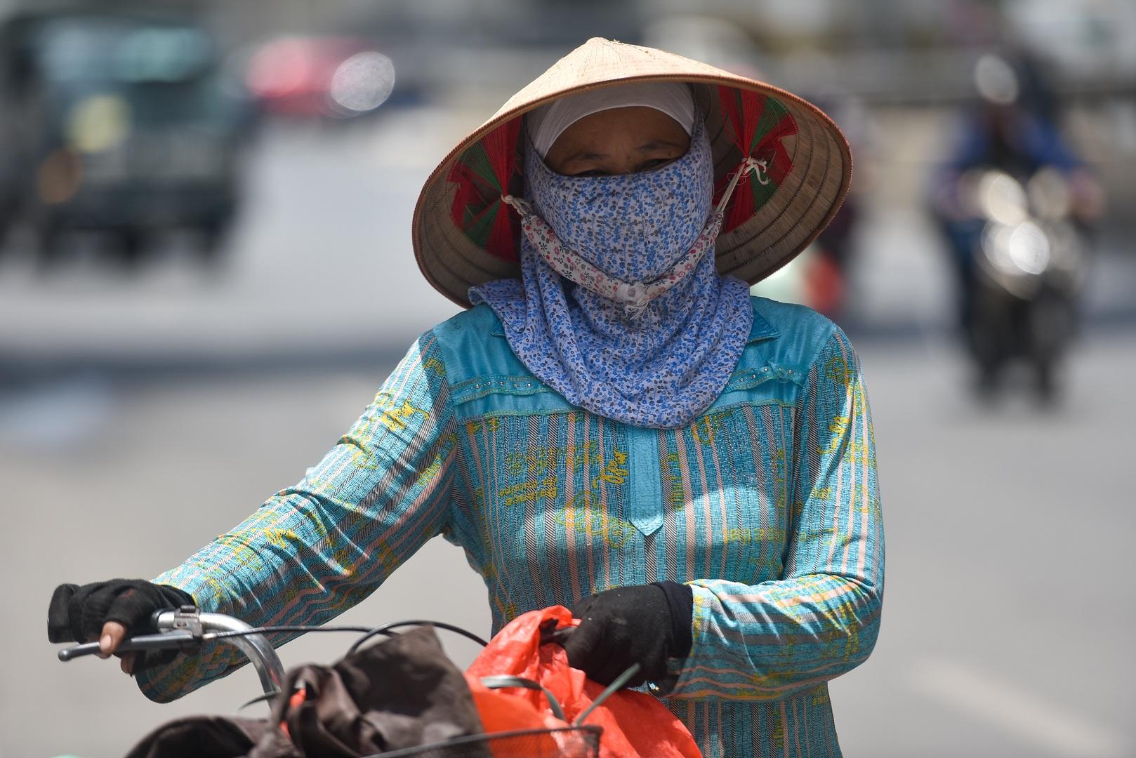 Hà Nội: Mát lòng trà chanh đá miễn phí giữa ngày nắng đỉnh điểm - 1