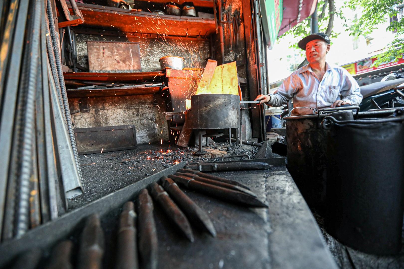 Người thợ rèn cuối cùng ở khu phố cổ Hà Nội - 2