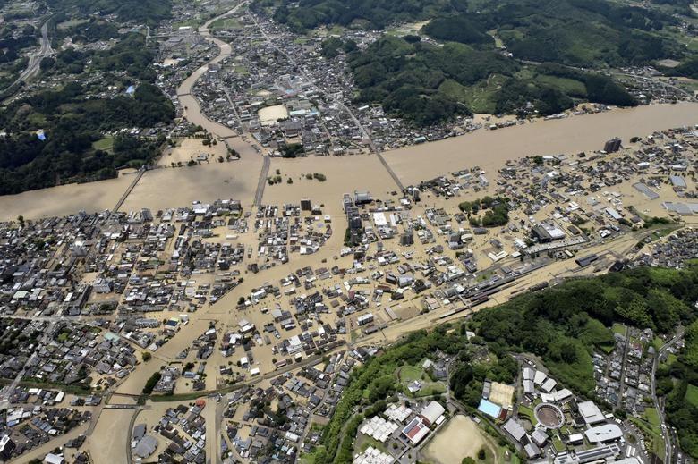 Cảnh đổ nát tại Nhật Bản sau thảm họa mưa lũ khiến 50 người chết - 3