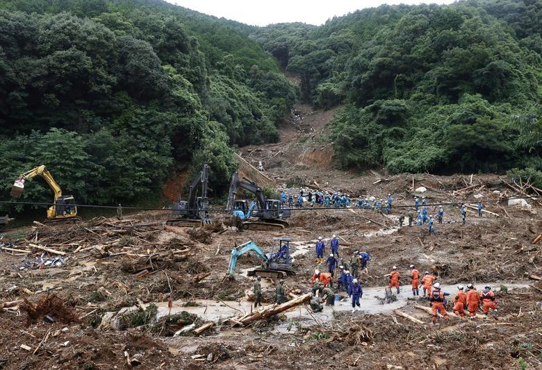 Cảnh đổ nát tại Nhật Bản sau thảm họa mưa lũ khiến 50 người chết - 4