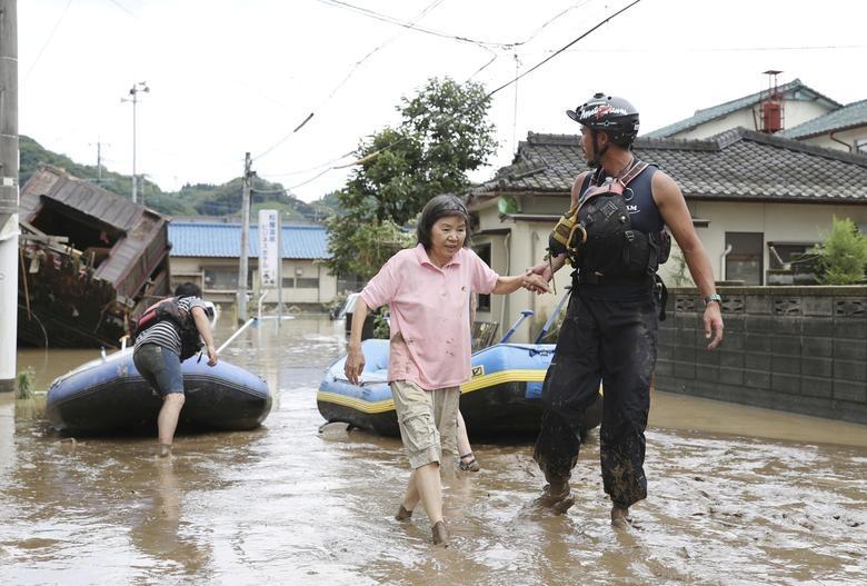Cảnh đổ nát tại Nhật Bản sau thảm họa mưa lũ khiến 50 người chết - 6