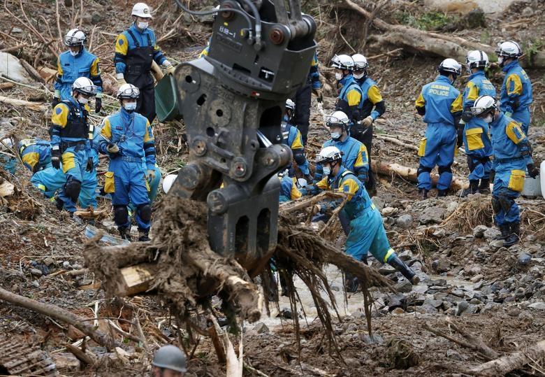 Cảnh đổ nát tại Nhật Bản sau thảm họa mưa lũ khiến 50 người chết - 9