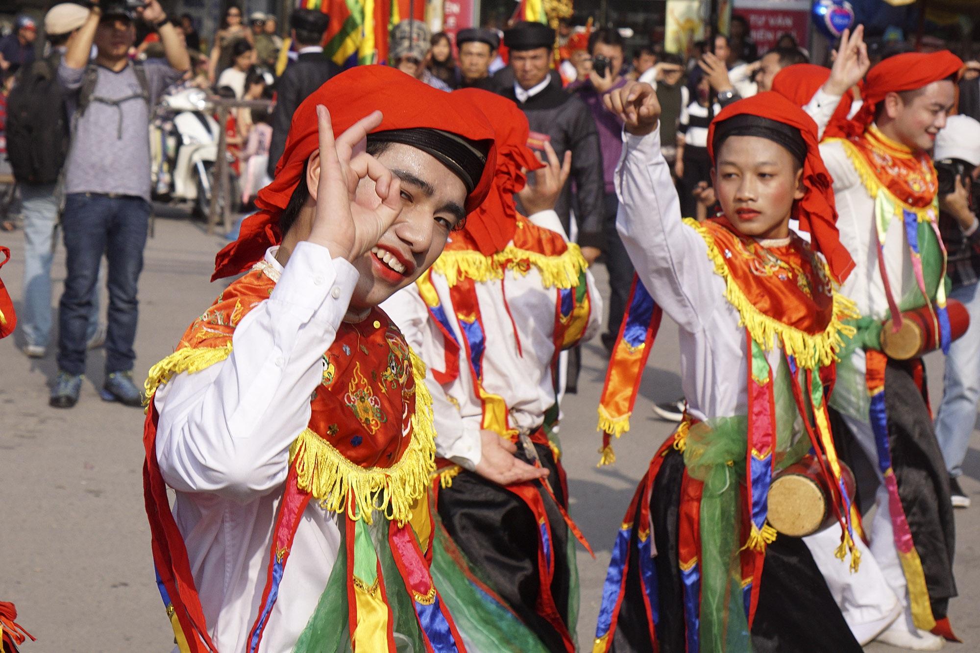 Hà Nội: Người gìn giữ điệu múa cổ nghìn năm con đĩ đánh bồng - 11
