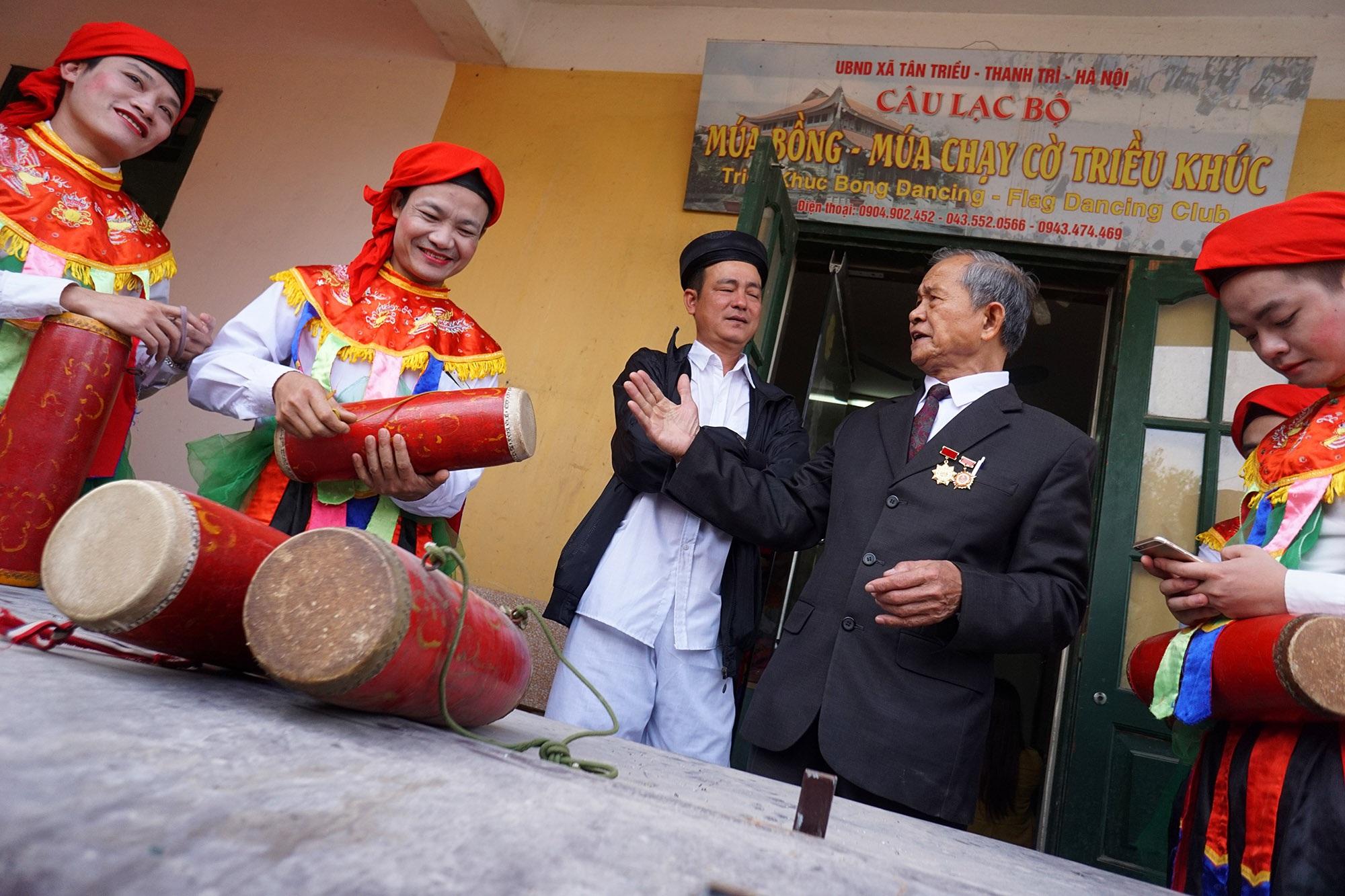 Hà Nội: Người gìn giữ điệu múa cổ nghìn năm con đĩ đánh bồng - 2