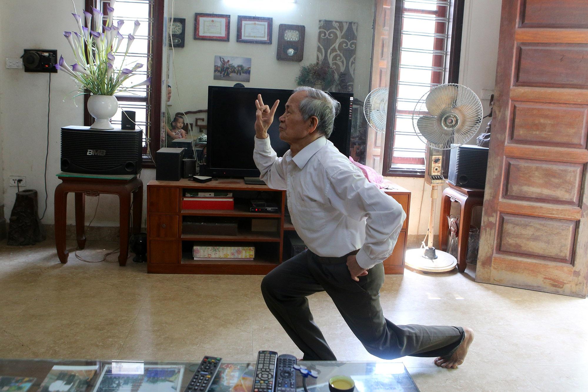 Hà Nội: Người gìn giữ điệu múa cổ nghìn năm con đĩ đánh bồng - 8