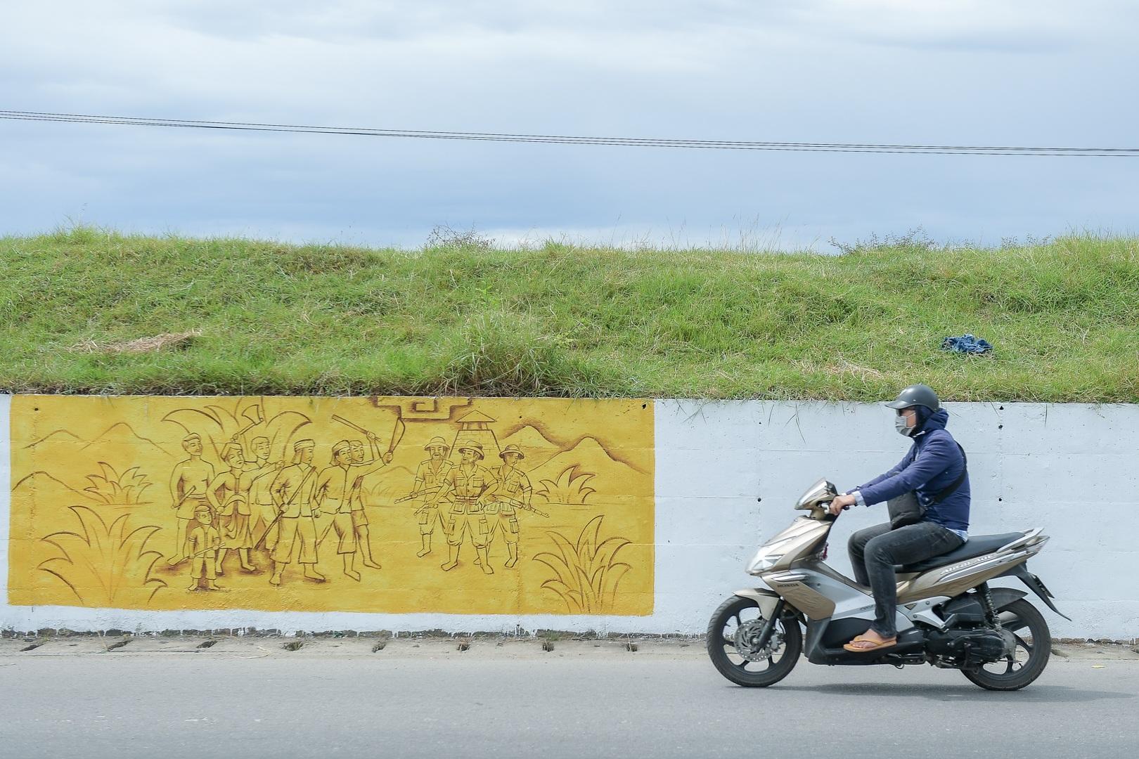 Con đường bích họa dài hơn 2 km ở ngoại thành Hà Nội - 4