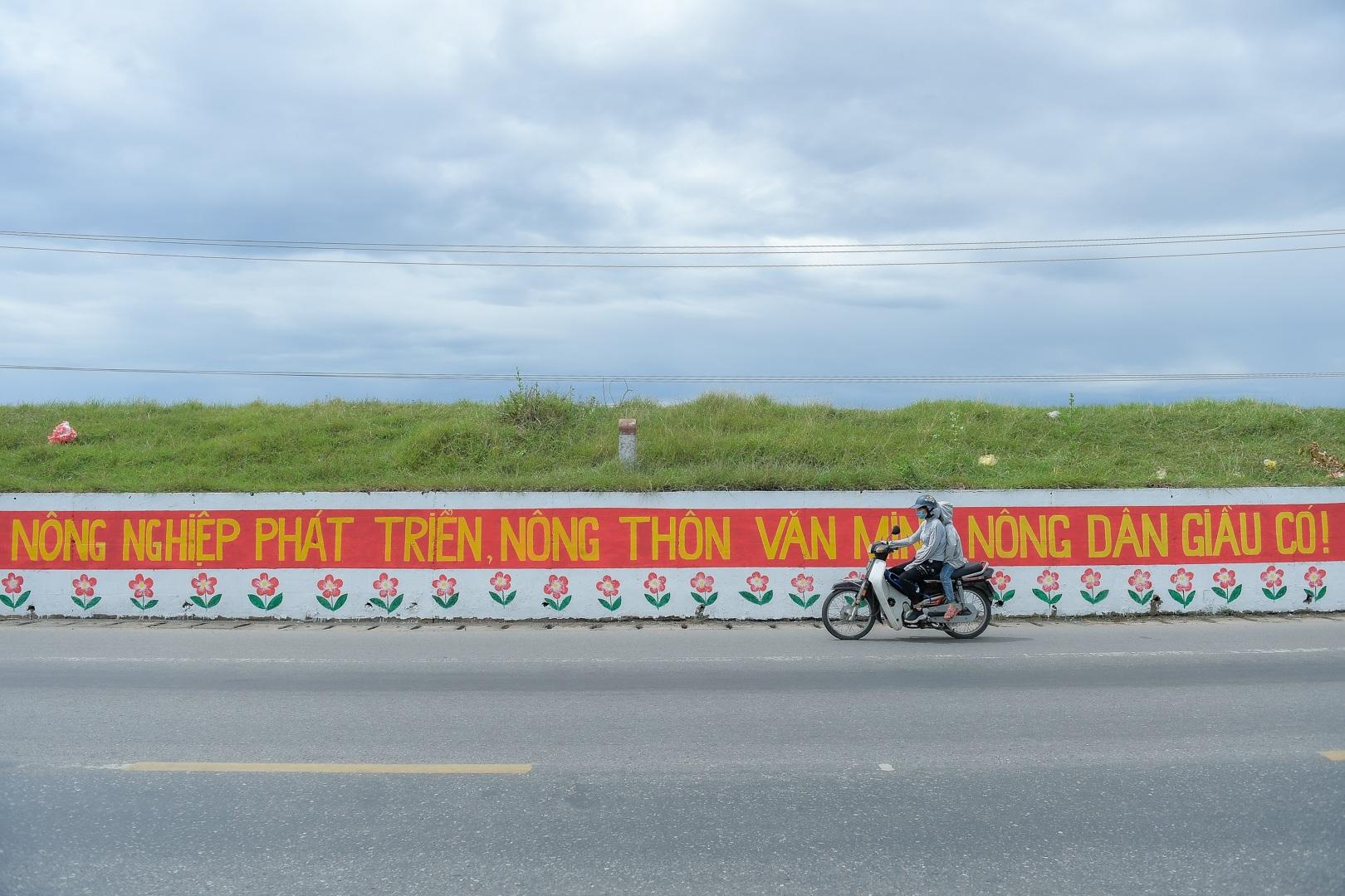 Con đường bích họa dài hơn 2 km ở ngoại thành Hà Nội - 16