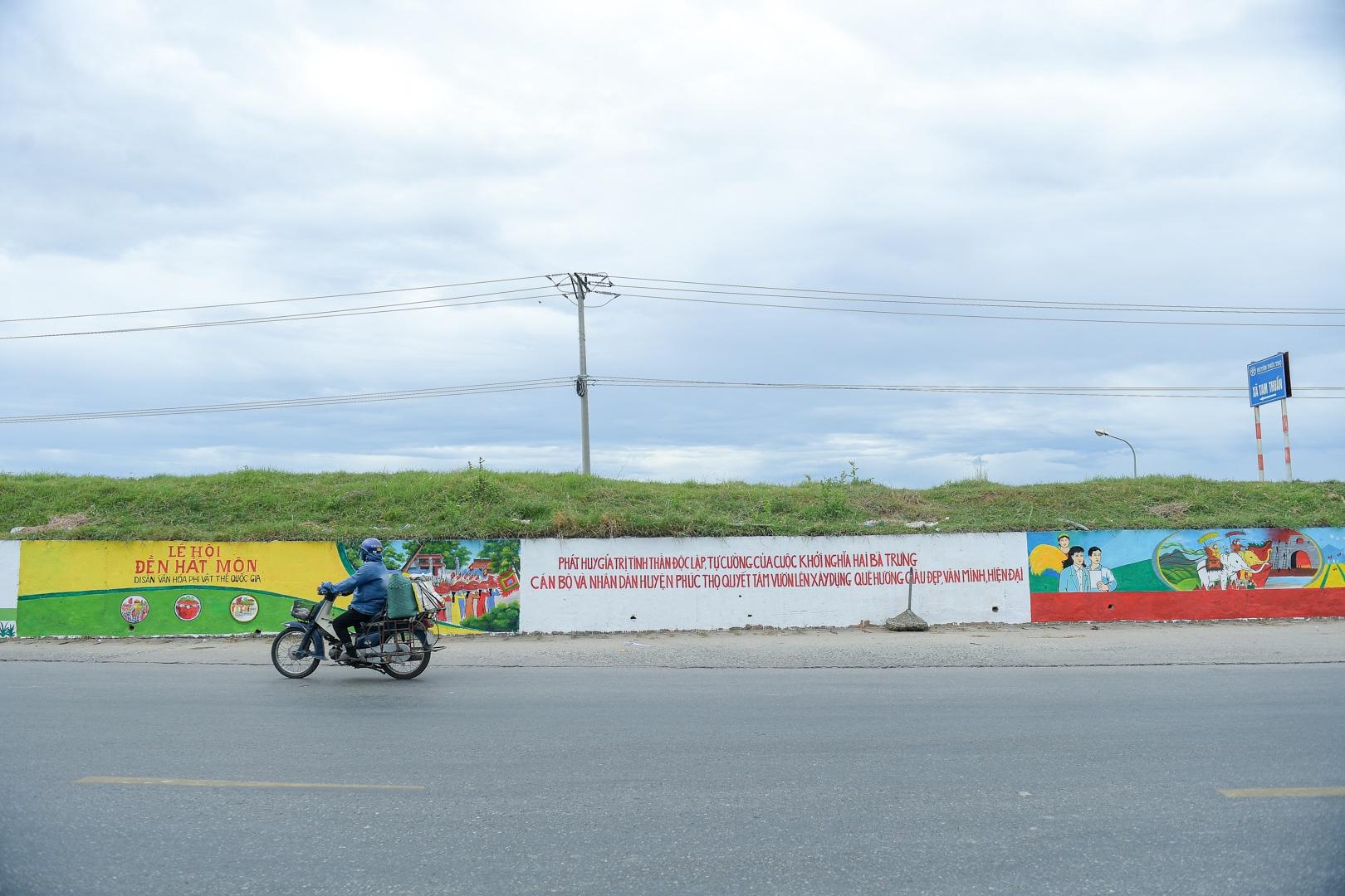 Con đường bích họa dài hơn 2 km ở ngoại thành Hà Nội - 3