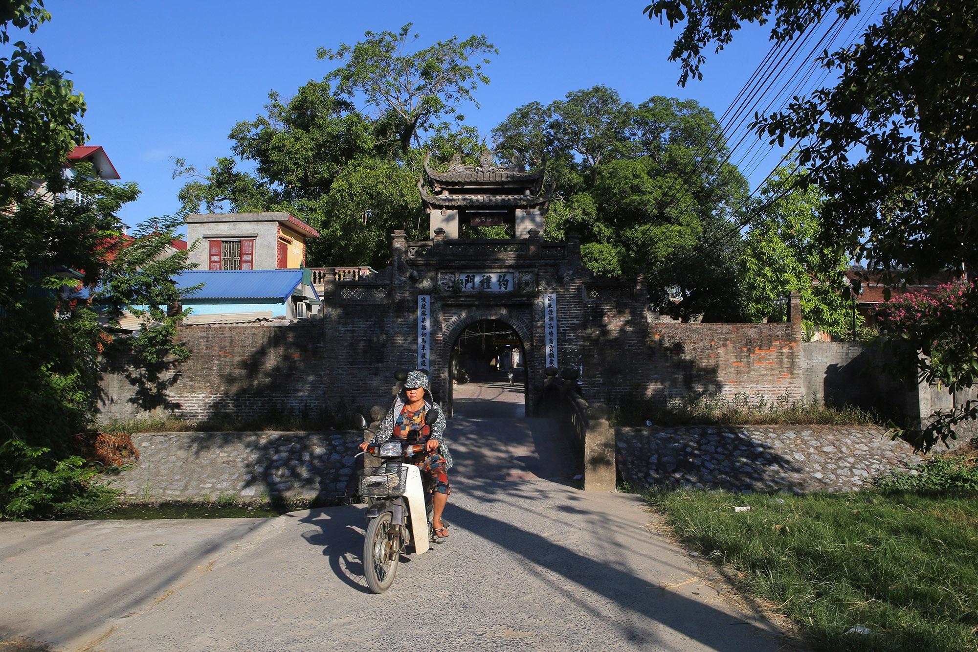 Khám phá vẻ đẹp của cổng làng đồ sộ trải qua 5 thế kỷ tại ngoại ô Hà Nội - 14