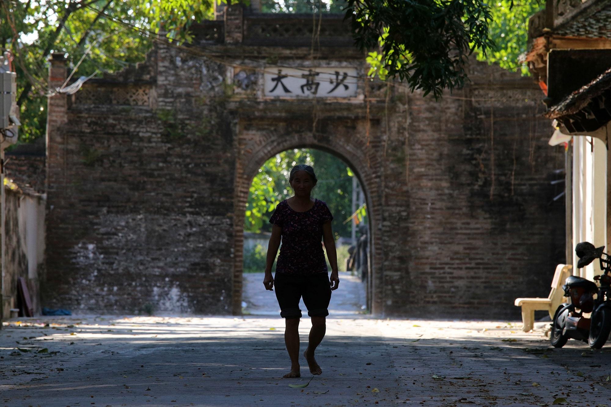 Khám phá vẻ đẹp của cổng làng đồ sộ trải qua 5 thế kỷ tại ngoại ô Hà Nội - 3