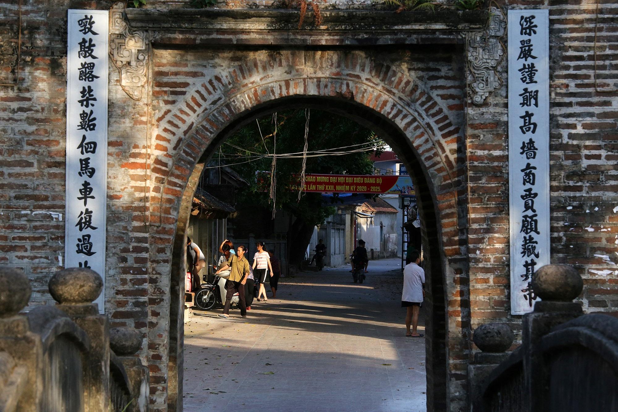 Khám phá vẻ đẹp của cổng làng đồ sộ trải qua 5 thế kỷ tại ngoại ô Hà Nội - 6