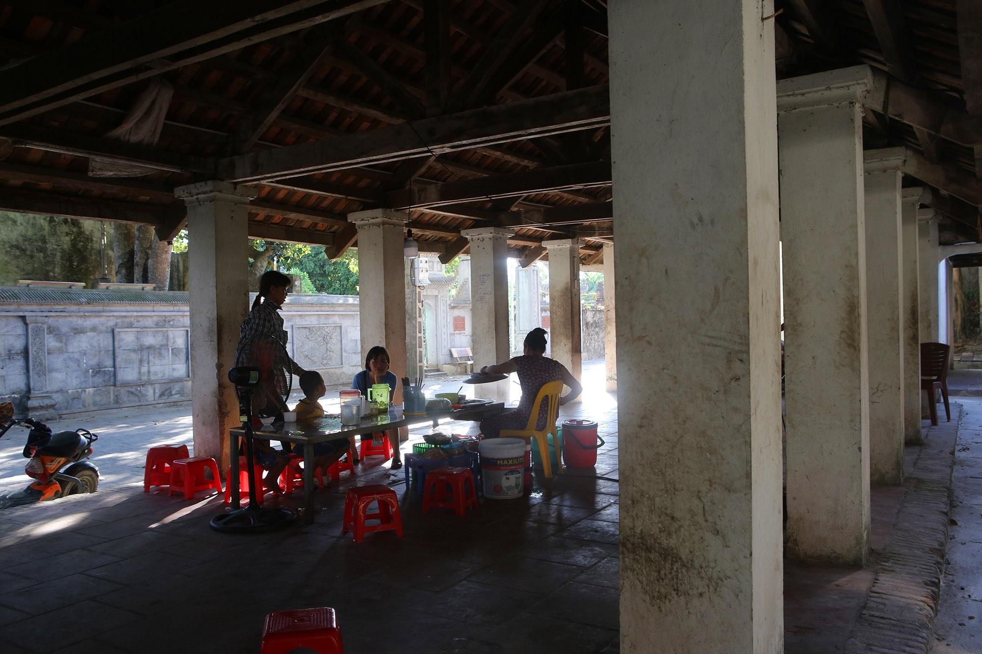 Khám phá vẻ đẹp của cổng làng đồ sộ trải qua 5 thế kỷ tại ngoại ô Hà Nội - 7