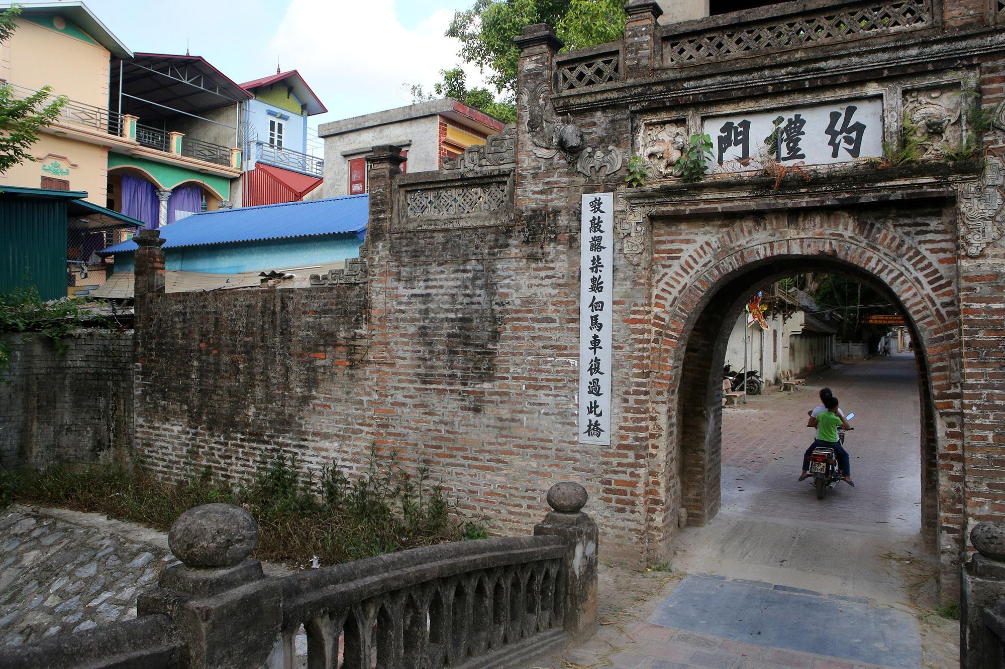 Khám phá vẻ đẹp của cổng làng đồ sộ trải qua 5 thế kỷ tại ngoại ô Hà Nội - 8
