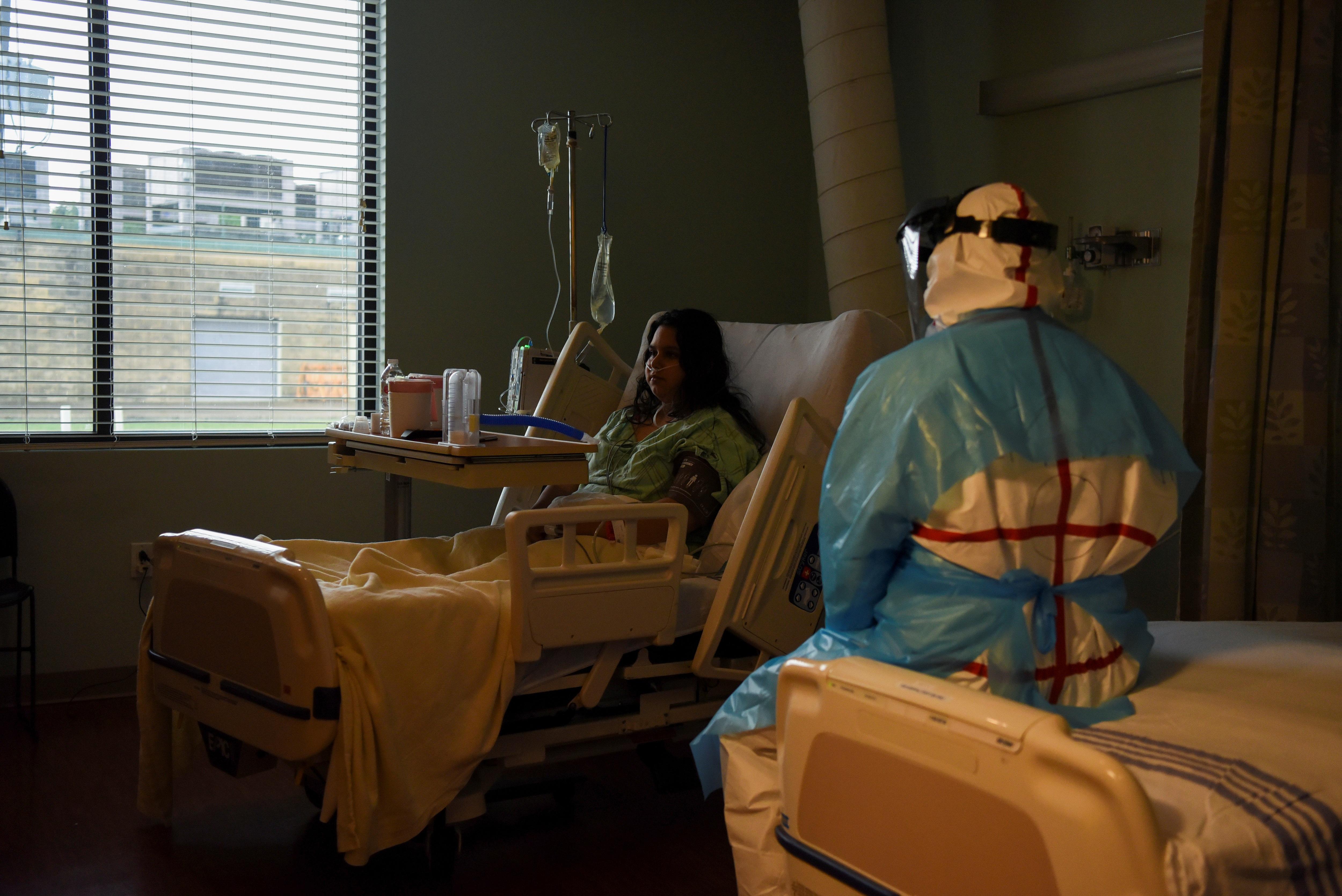 Mỗi phút có một người chết, bác sĩ Mỹ đau đớn chọn bệnh nhân để cứu - 8