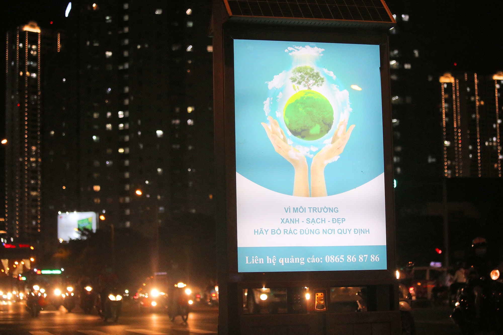 Hàng nghìn thùng rác phát sáng về đêm được lắp đặt tại Hà Nội - 11