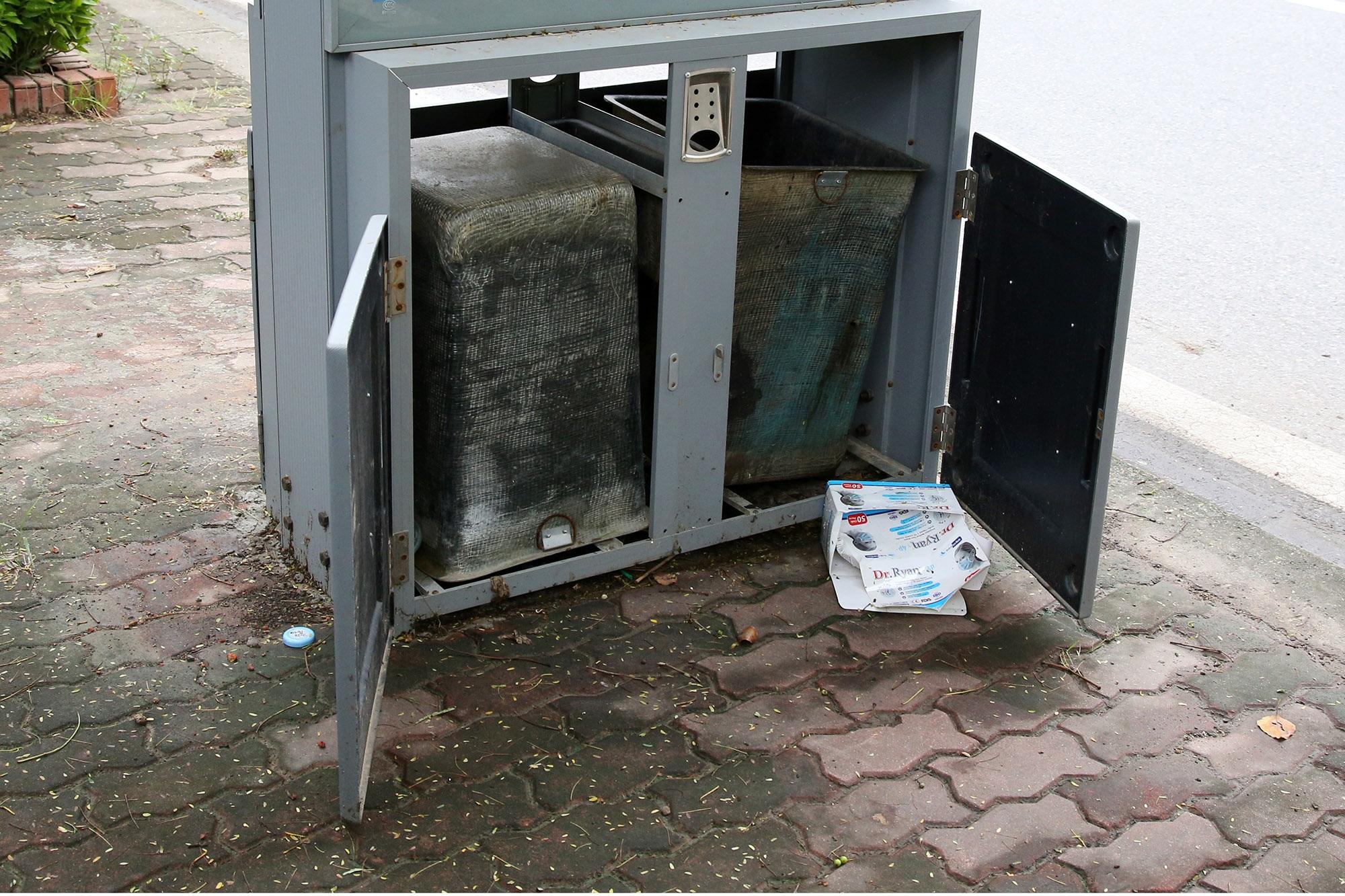 Hàng nghìn thùng rác phát sáng về đêm được lắp đặt tại Hà Nội - 6