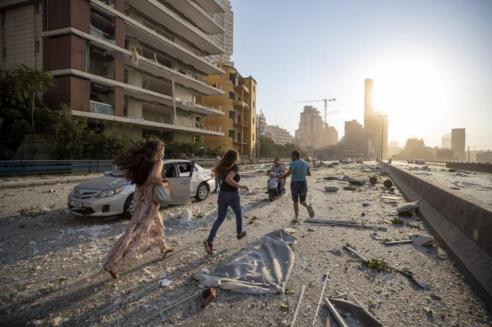 """Cảnh đổ nát ở thủ đô Li Băng sau vụ nổ """"như thảm họa Hiroshima"""" - 16"""