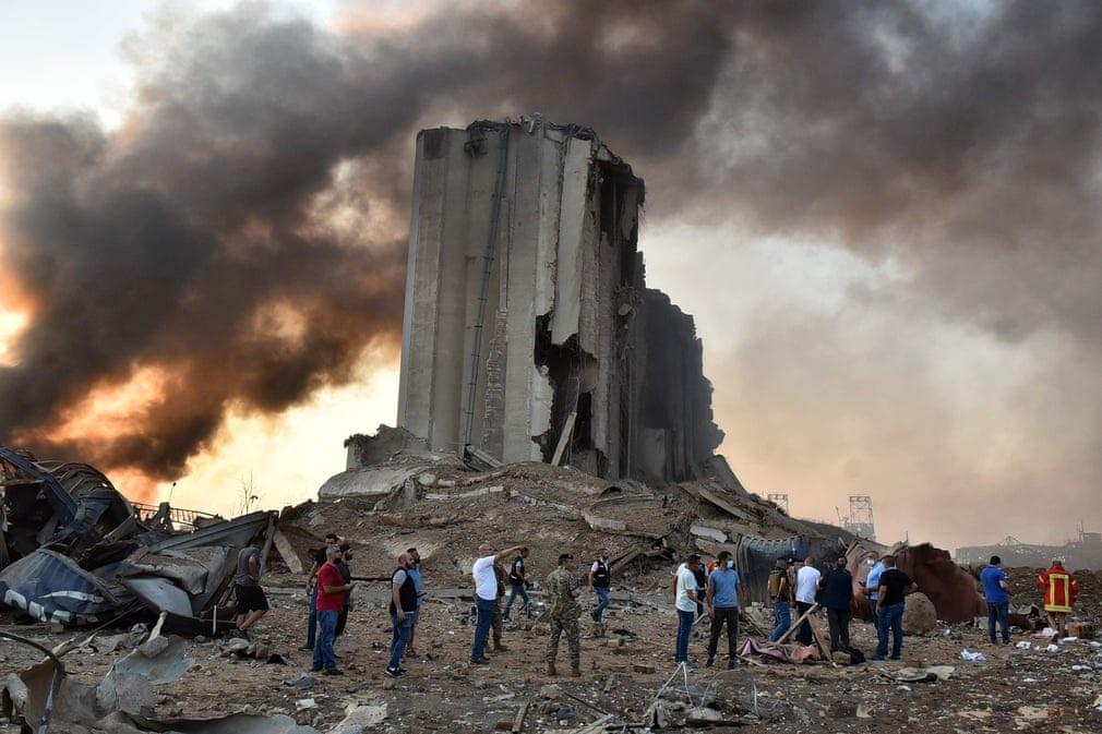 """Cảnh đổ nát ở thủ đô Li Băng sau vụ nổ """"như thảm họa Hiroshima"""" - 1"""