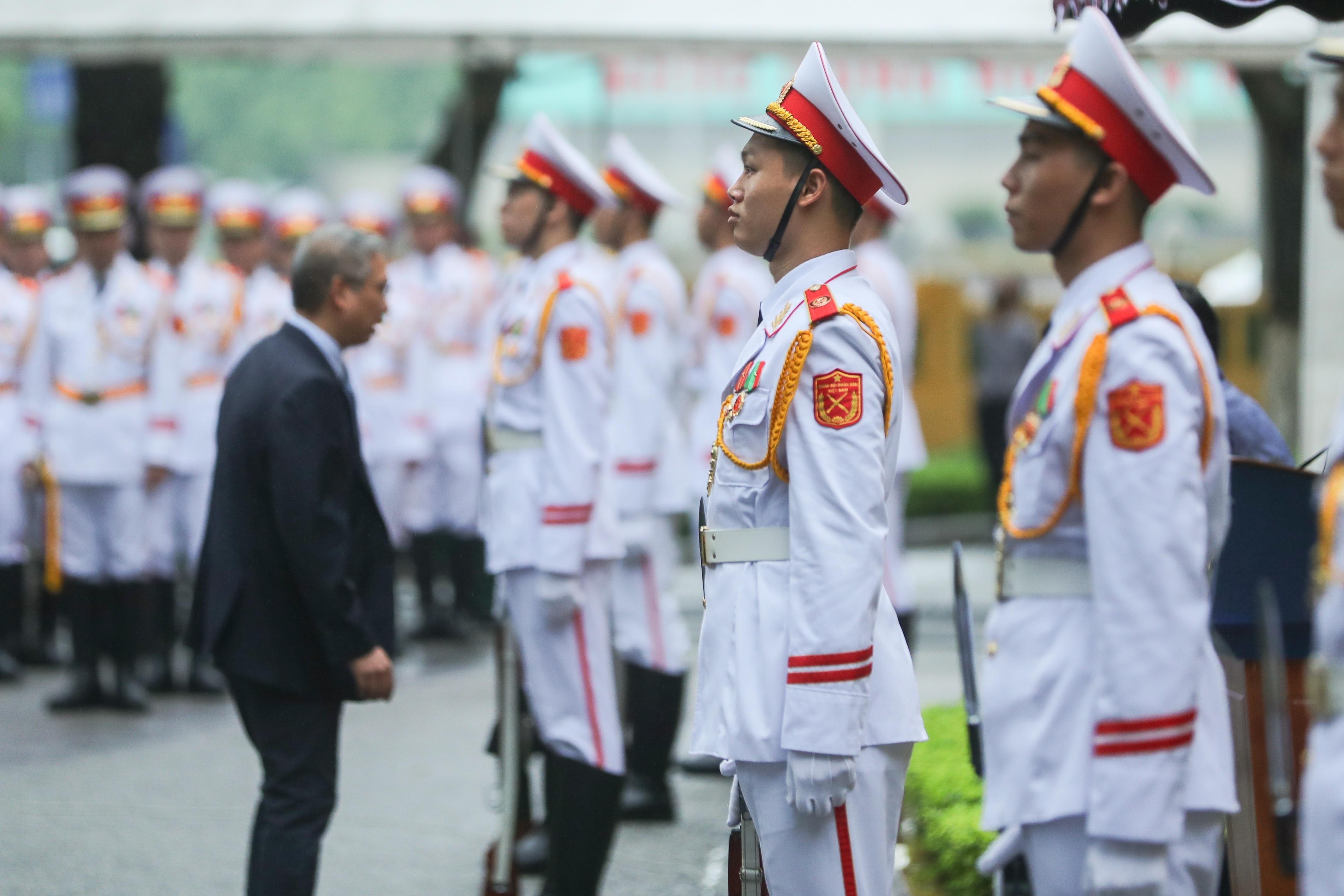 Trang trọng nghi lễ thượng cờ kỷ niệm 53 năm Ngày thành lập ASEAN - 1