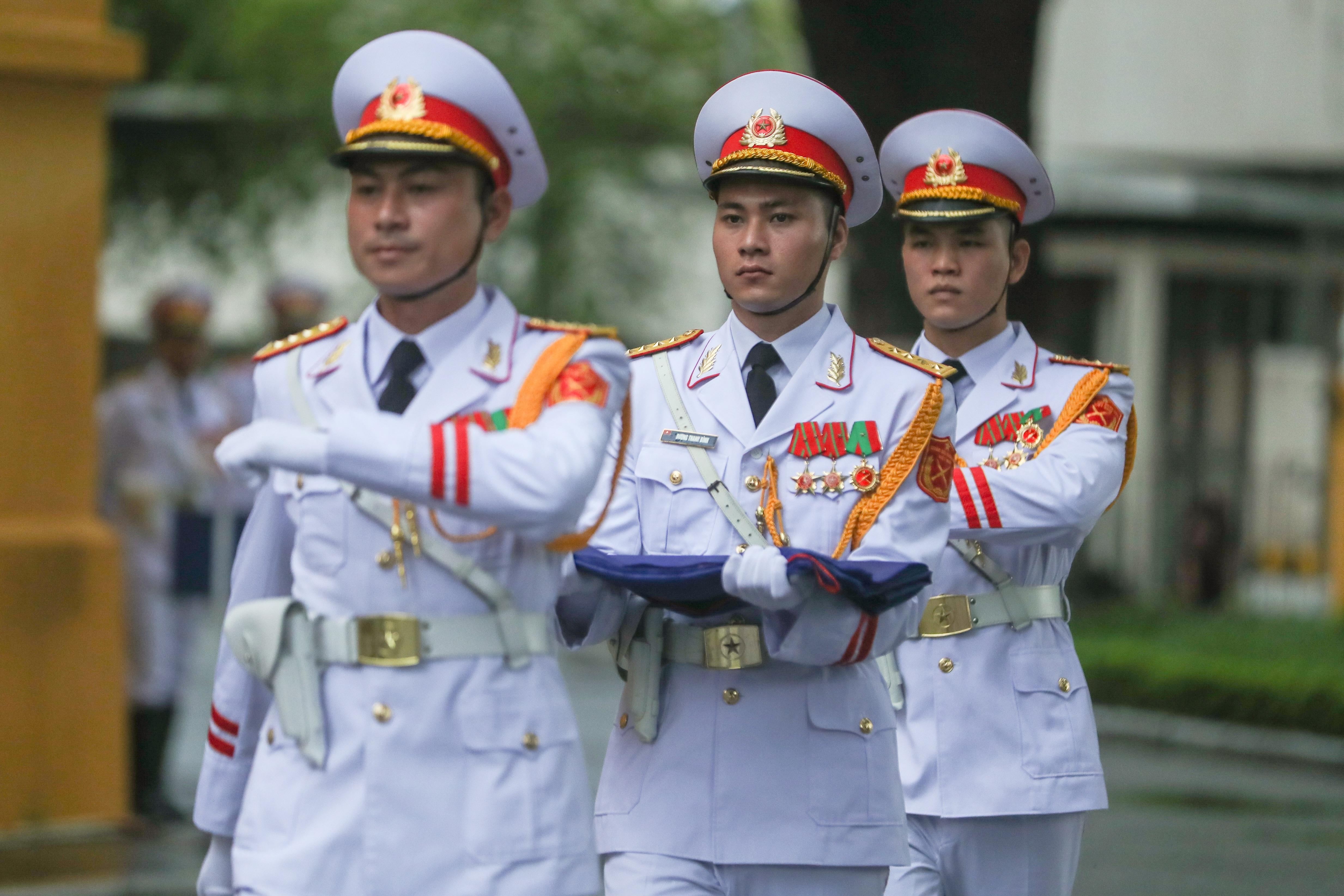 Trang trọng nghi lễ thượng cờ kỷ niệm 53 năm Ngày thành lập ASEAN - 5