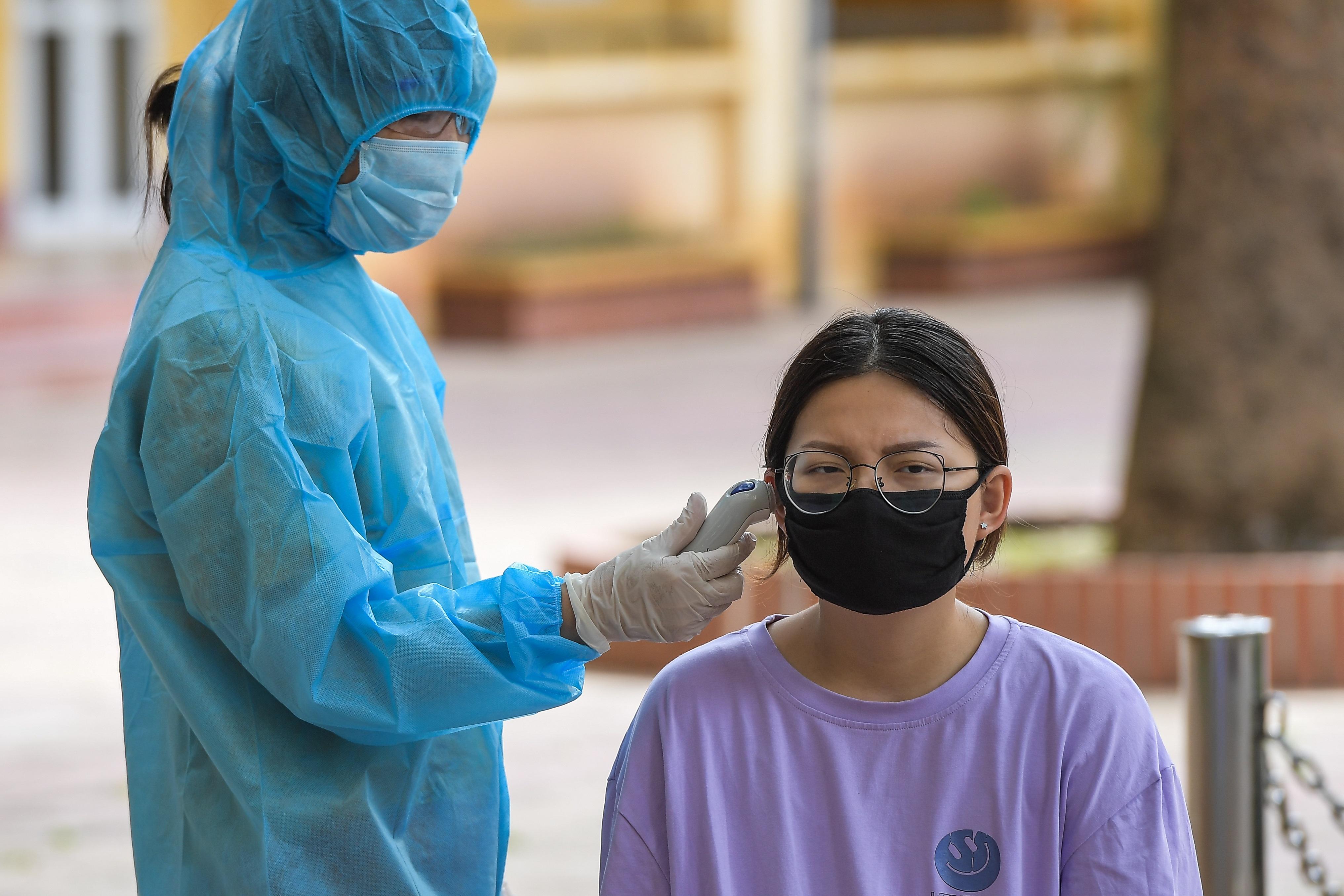 Hà Nội: Ngày đầu xét nghiệm PCR cho người trở về từ vùng dịch Đà Nẵng - 13