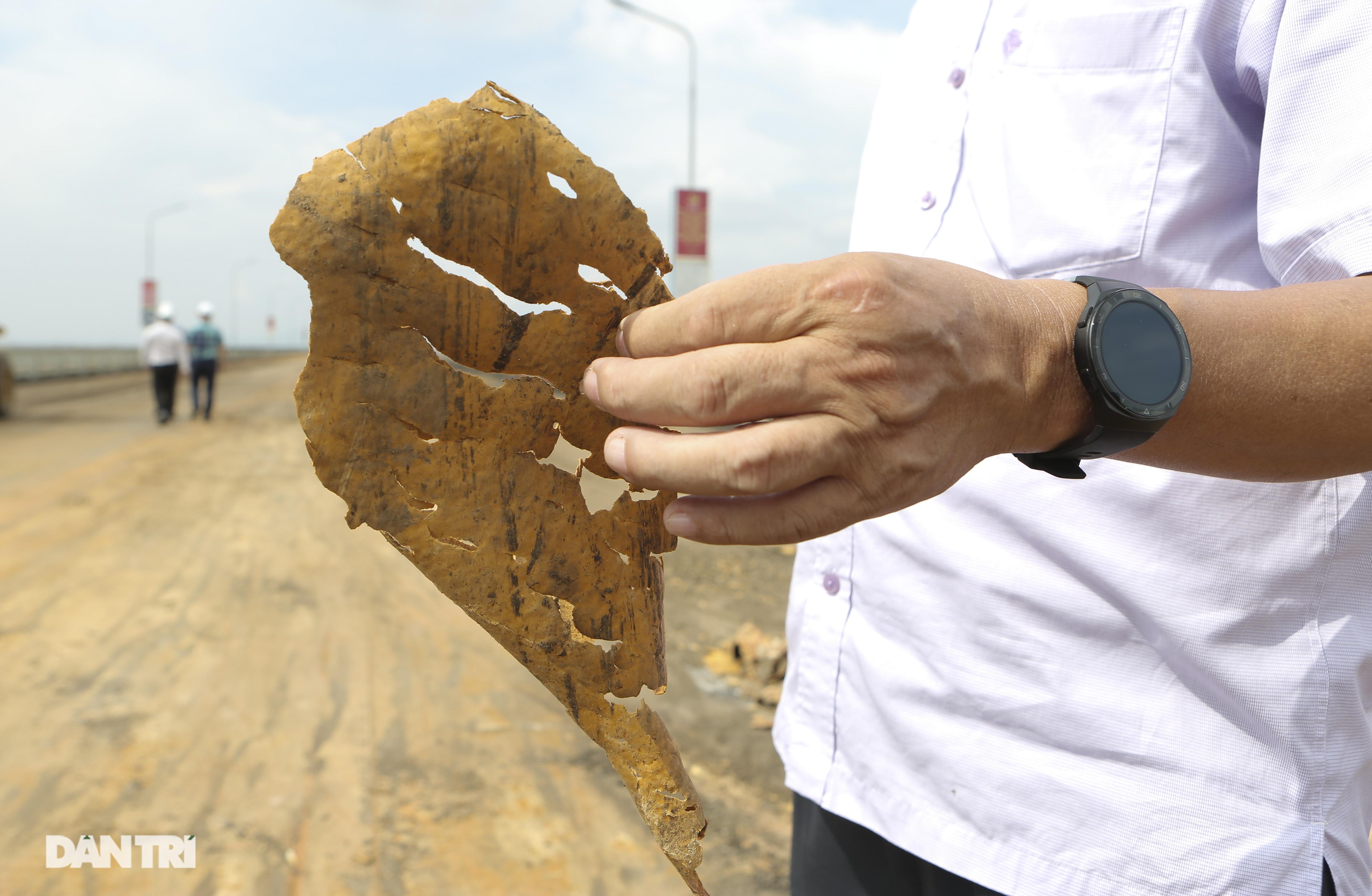 Cận cảnh đại công trường sửa chữa mặt cầu Thăng Long - 13