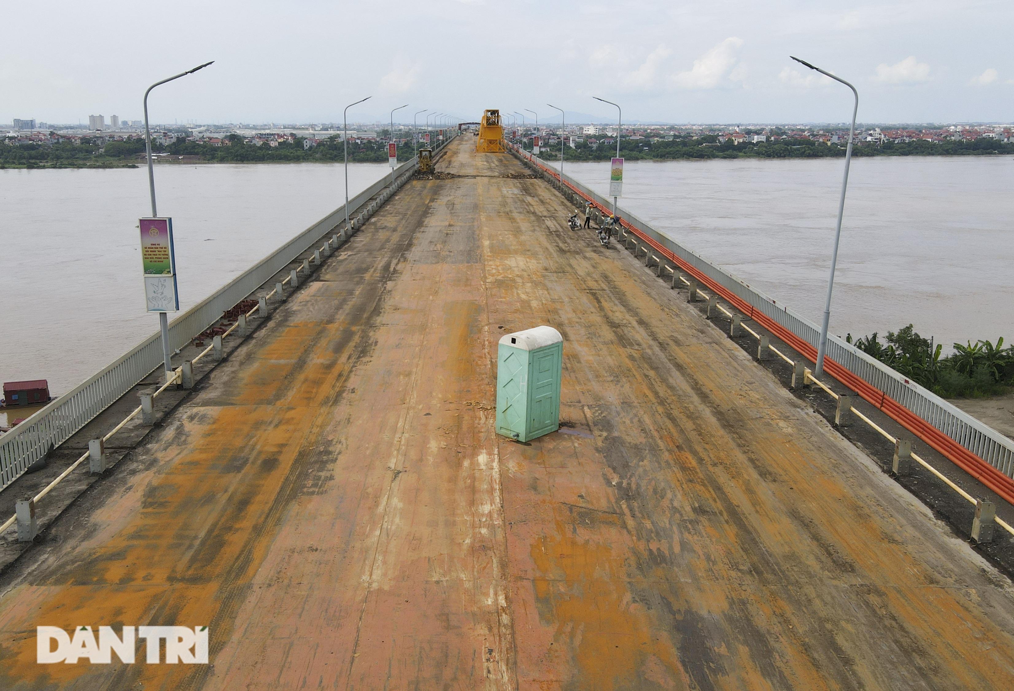 Cận cảnh đại công trường sửa chữa mặt cầu Thăng Long - 17