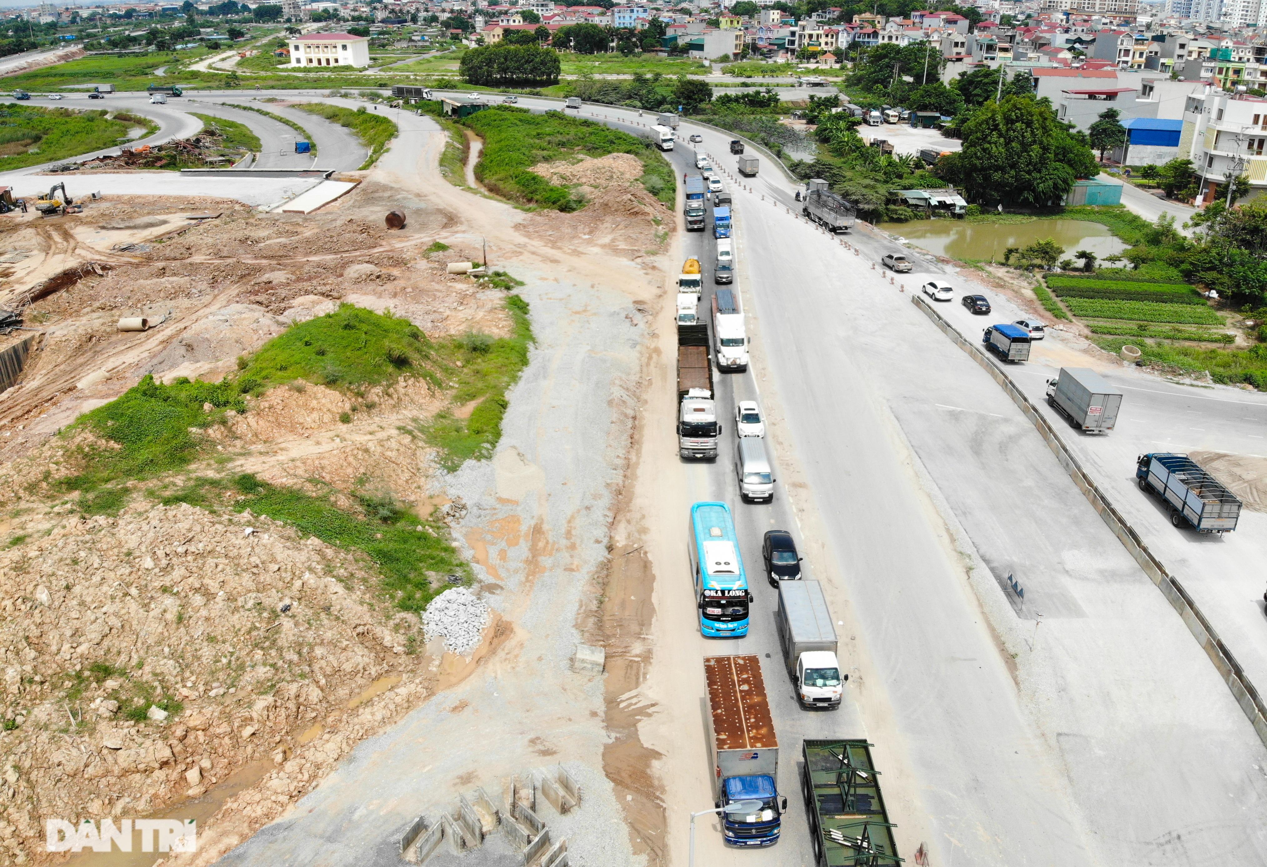 """Cận cảnh hầm chui """"trăm tỷ đồng"""" tại nút giao cao tốc Hà Nội – Bắc Giang - 13"""
