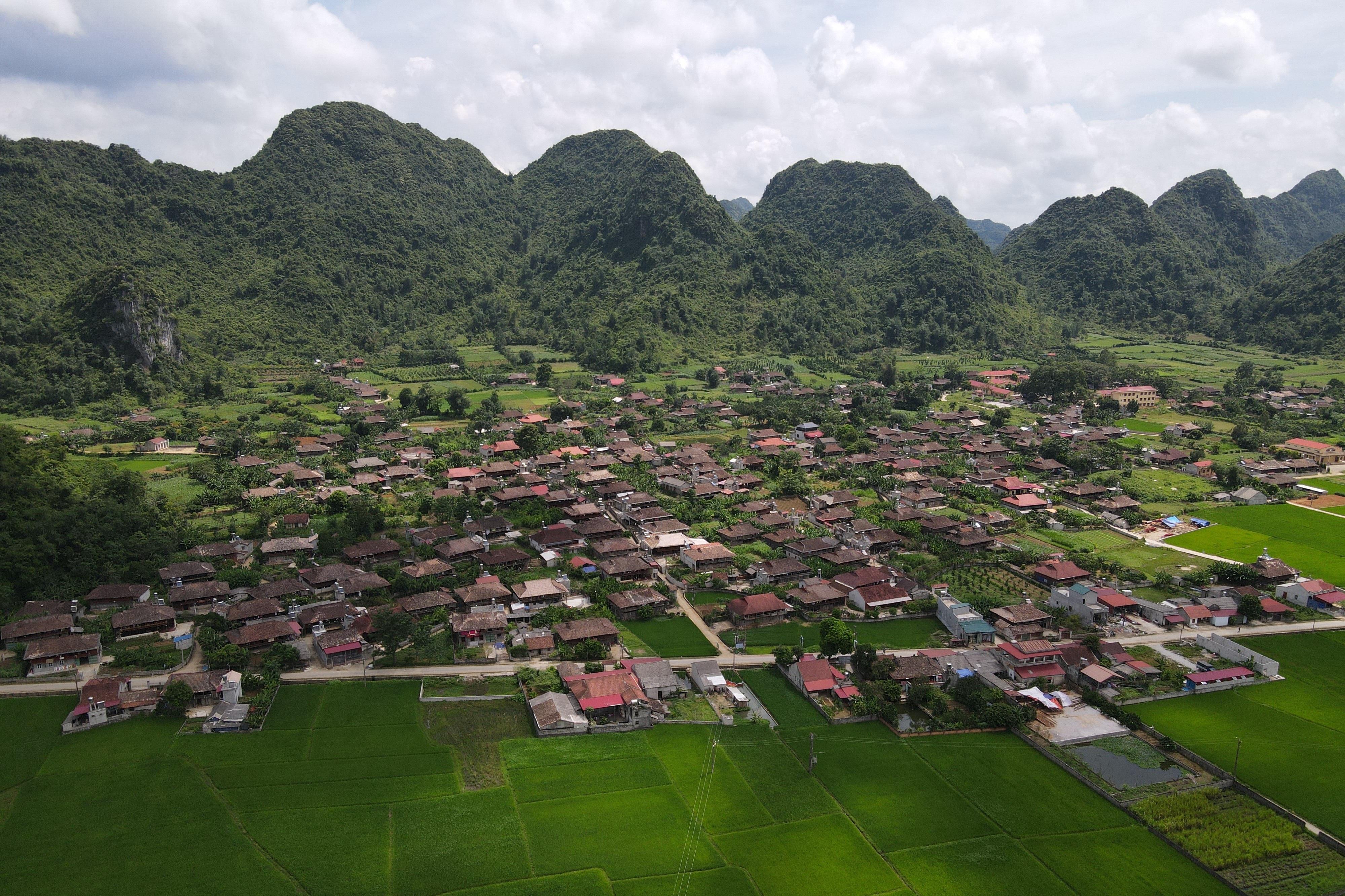 Khám phá ngôi làng có hơn 400 nóc nhà sàn tại thung lũng mây Bắc Sơn - 17