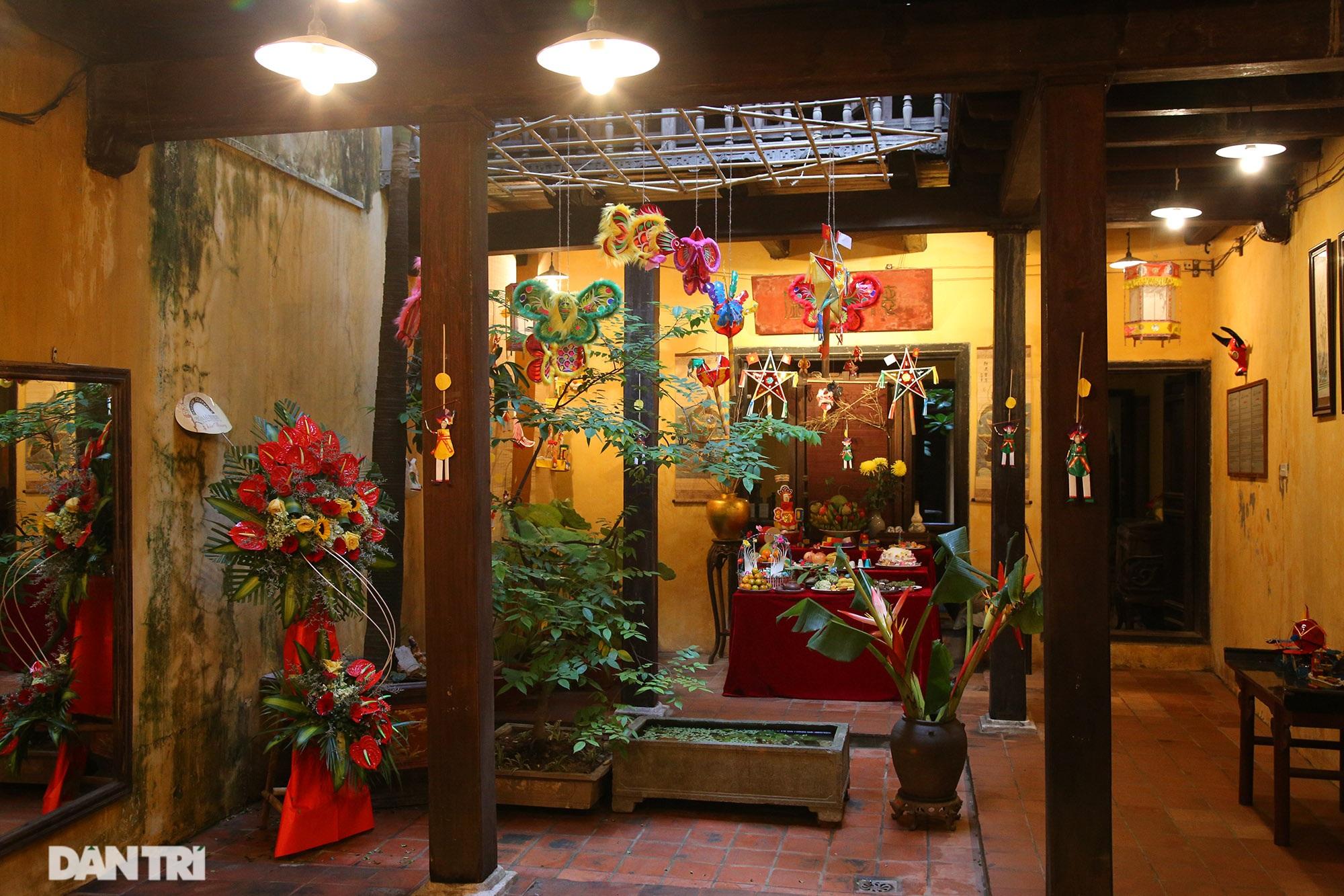 Không gian vui Tết Trung thu truyền thống của gia đình người Hà Nội - 11