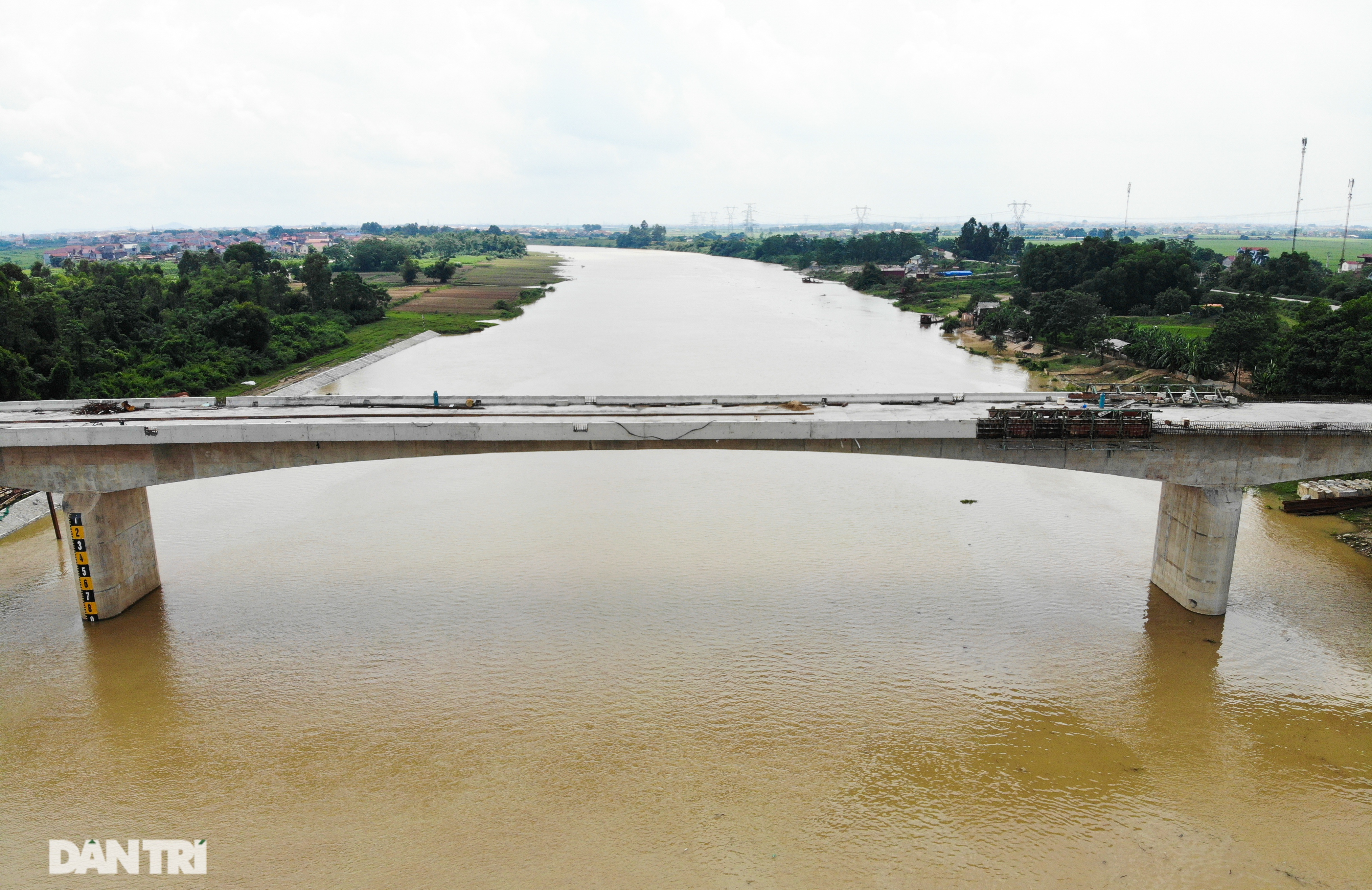 Nguyên nhân bất ngờ khiến cầu nối Hà Nội – Bắc Giang có thể đắp chiếu - 10