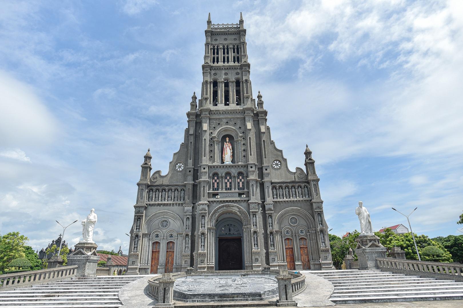 Đền Thánh Sa Châu - nhà thờ Nam Định đẹp uy nghi như ở trời Âu - 18