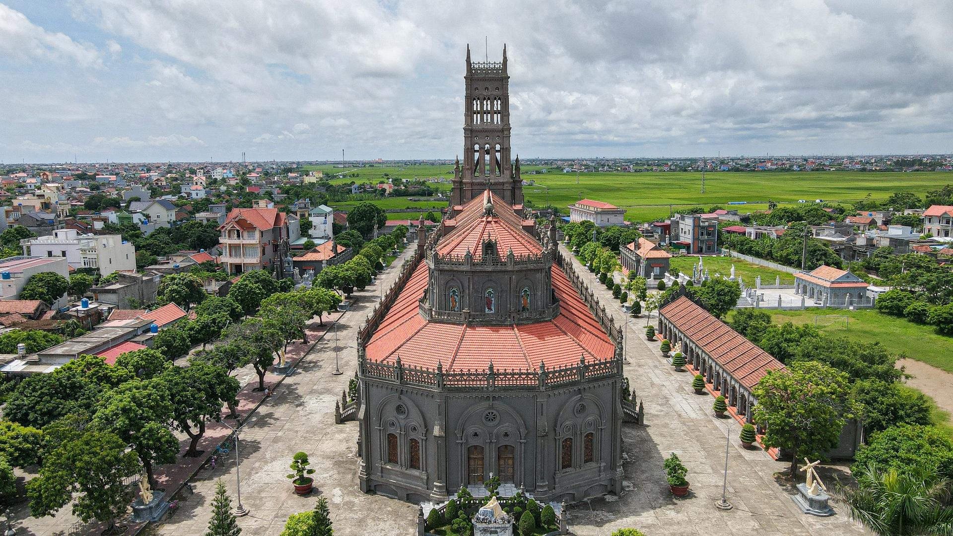 Đền Thánh Sa Châu - nhà thờ Nam Định đẹp uy nghi như ở trời Âu - 12