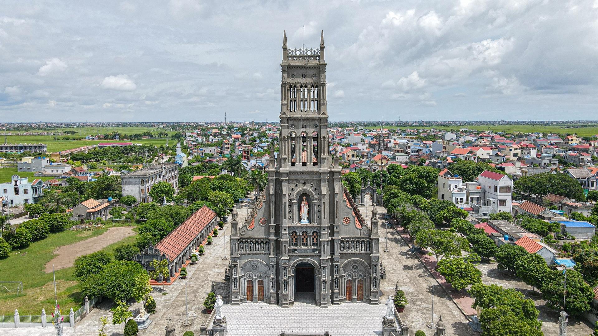 Đền Thánh Sa Châu - nhà thờ Nam Định đẹp uy nghi như ở trời Âu - 16