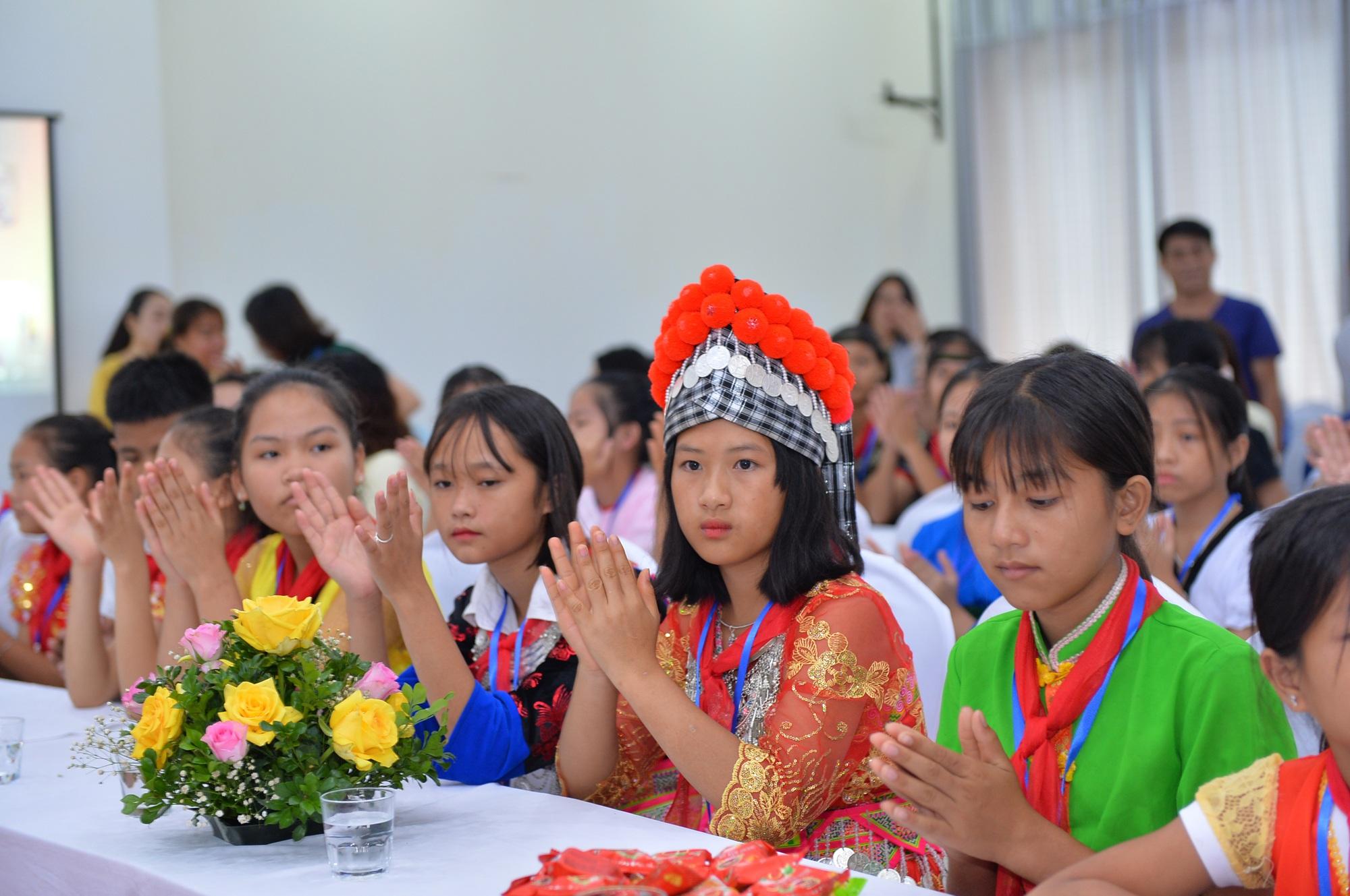 Gặp mặt trẻ em Đan Lai và trẻ em dân tộc thiểu số vượt khó học giỏi - 1