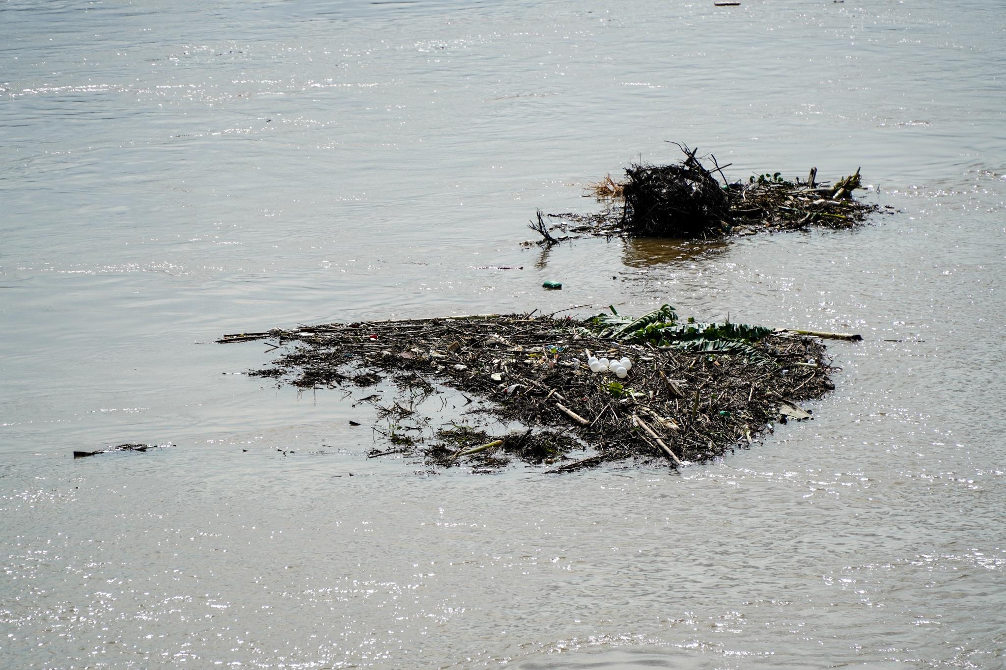Cảnh hồ thủy điện xả lũ lớn, nước cuộn sóng nhấn chìm bãi giữa sông Hồng - 19