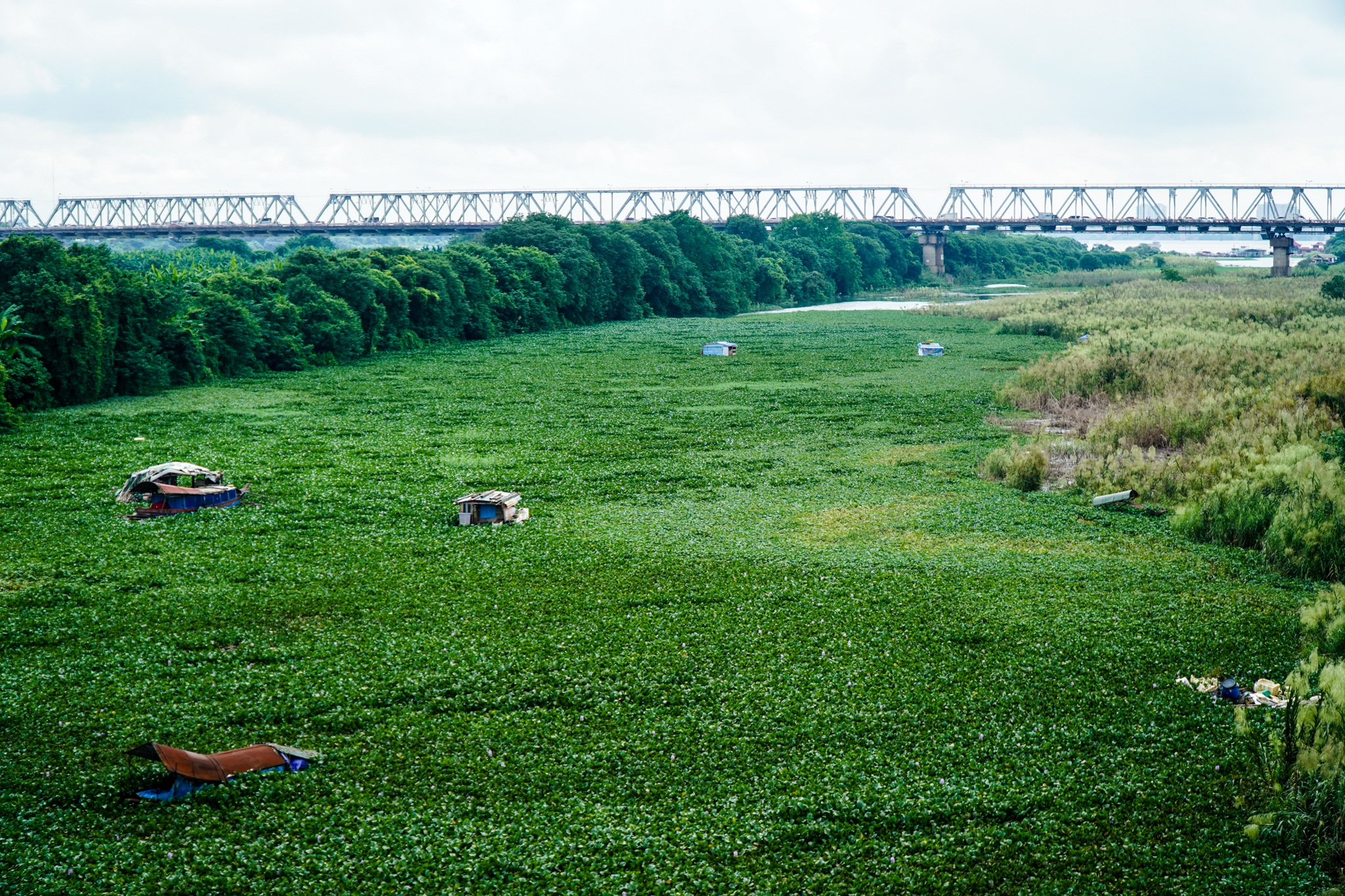 Cảnh hồ thủy điện xả lũ lớn, nước cuộn sóng nhấn chìm bãi giữa sông Hồng - 9