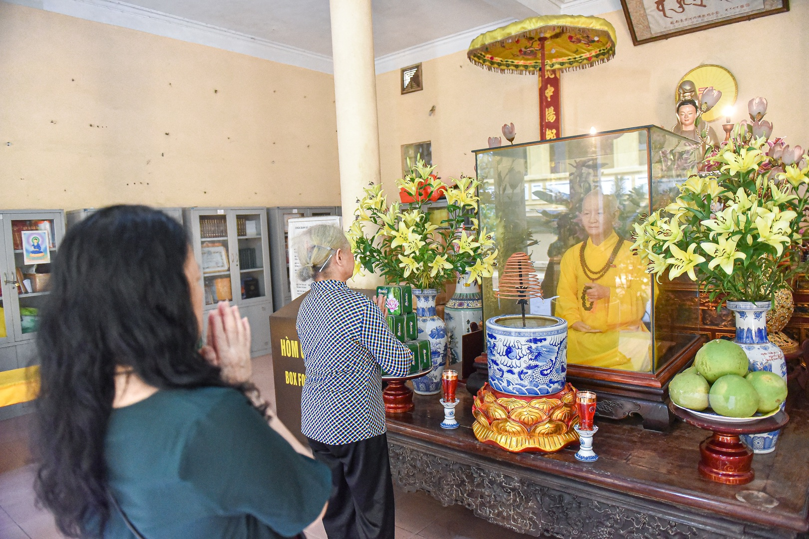 """Bức tượng giống """"người thật"""", từng bị đòi xem hộ chiếu ở ngôi chùa 600 tuổi - 1"""