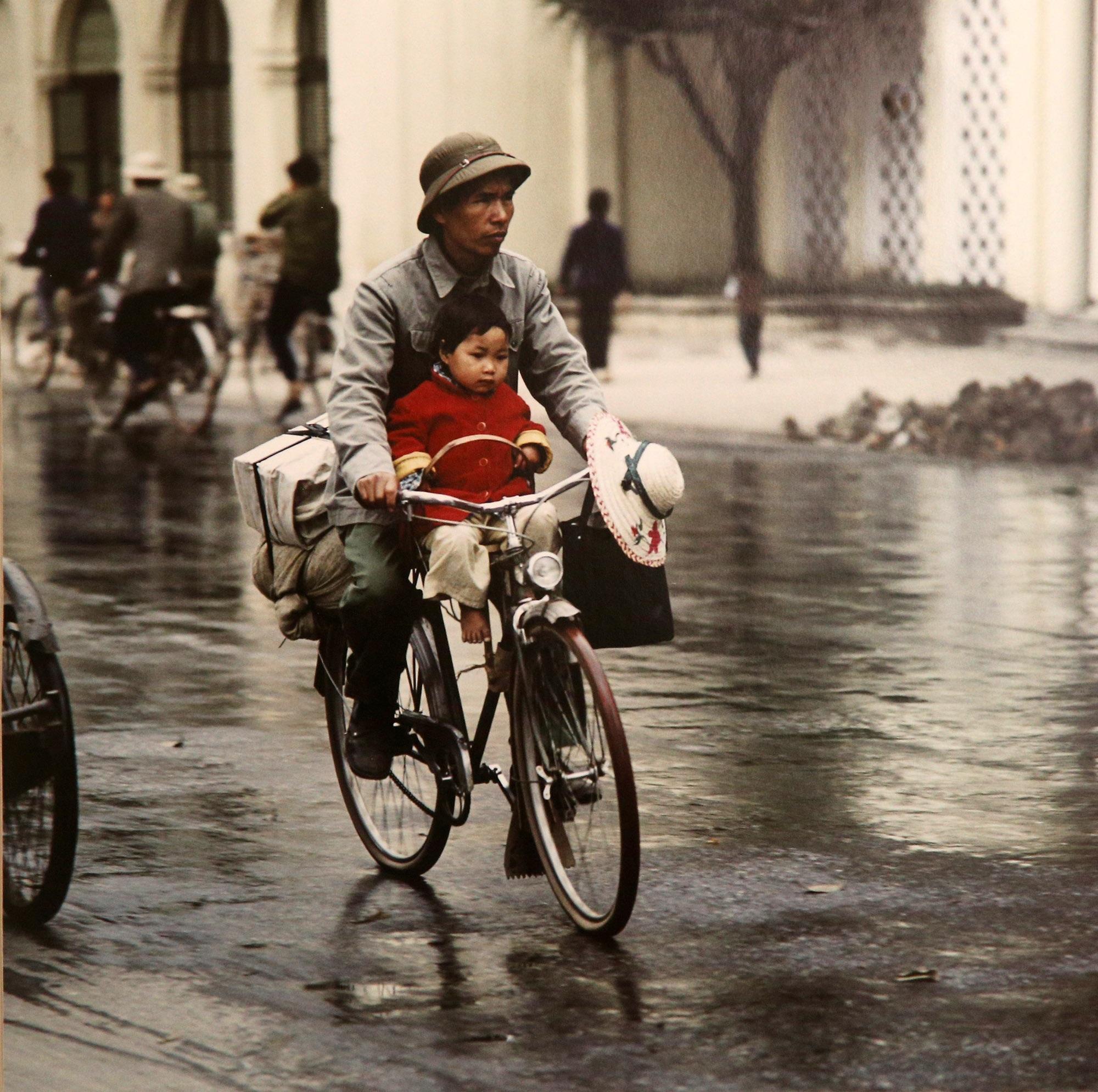 Hình ảnh quý về Hà Nội thời gian khó của nhiếp ảnh gia người Đức - 13