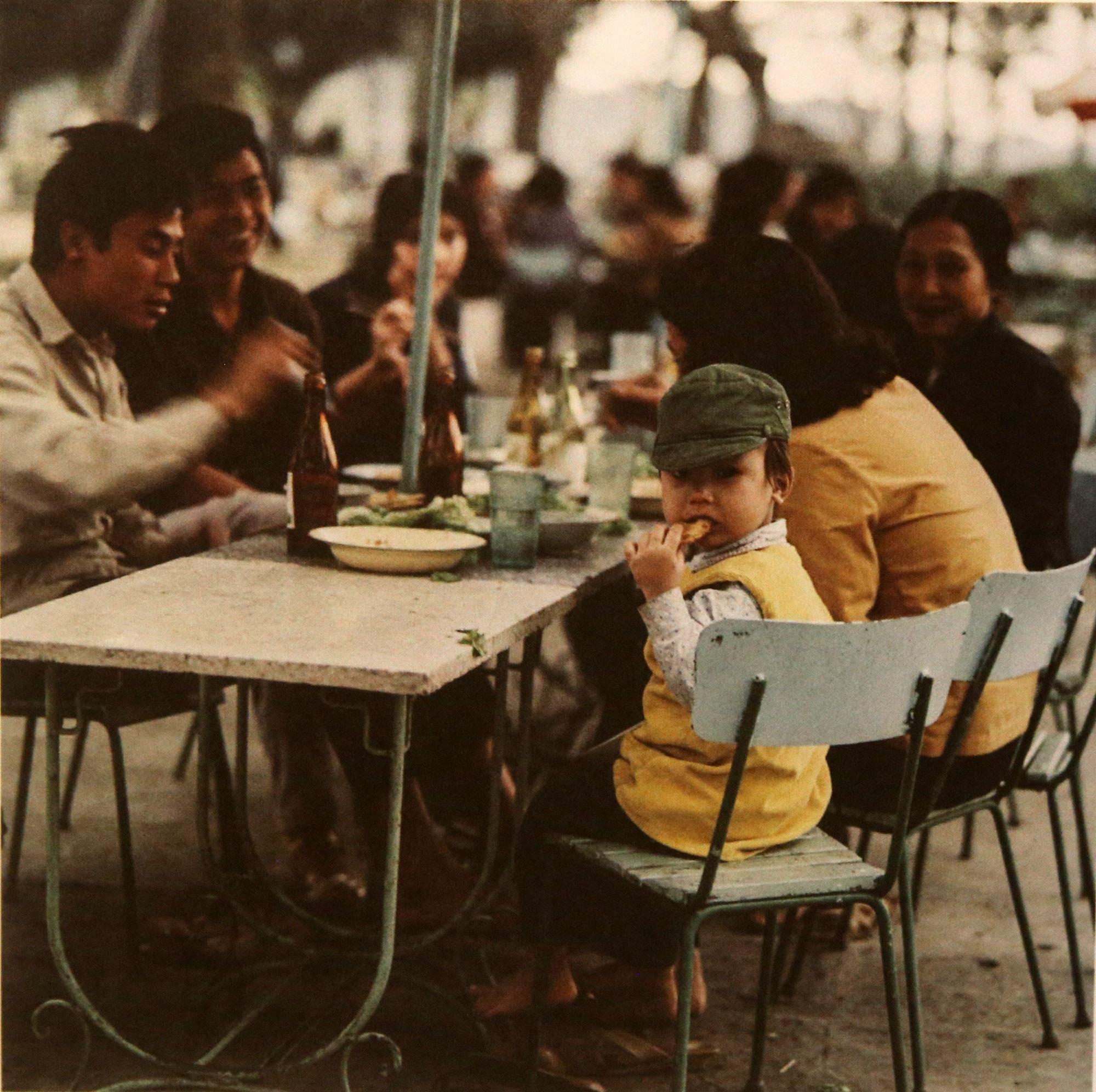 Hình ảnh quý về Hà Nội thời gian khó của nhiếp ảnh gia người Đức - 20