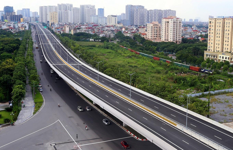 Cận cảnh đường trên cao 5.000 tỷ đồng đẹp nhất Hà Nội trước ngày thông xe - 1