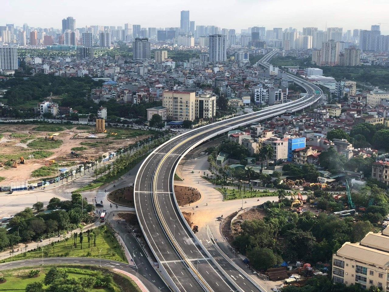 Cận cảnh đường trên cao 5.000 tỷ đồng đẹp nhất Hà Nội trước ngày thông xe - 3