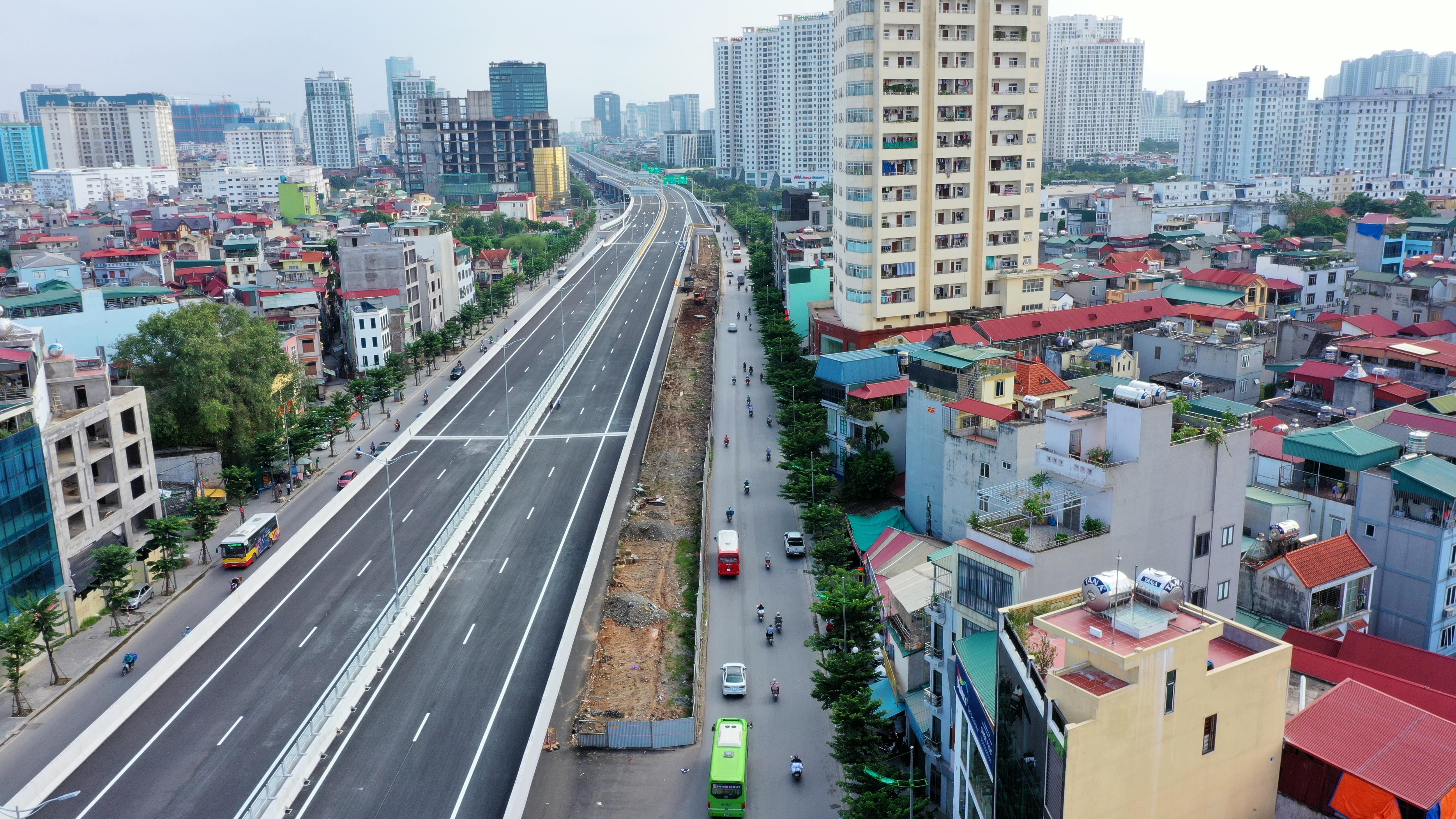 Cận cảnh đường trên cao 5.000 tỷ đồng đẹp nhất Hà Nội trước ngày thông xe - 10