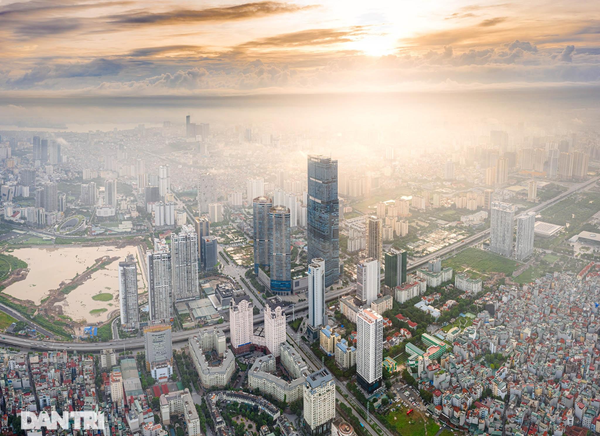 Vẻ đẹp của một Hà Nội hiện đại, sôi động nhìn từ trong mây - 5
