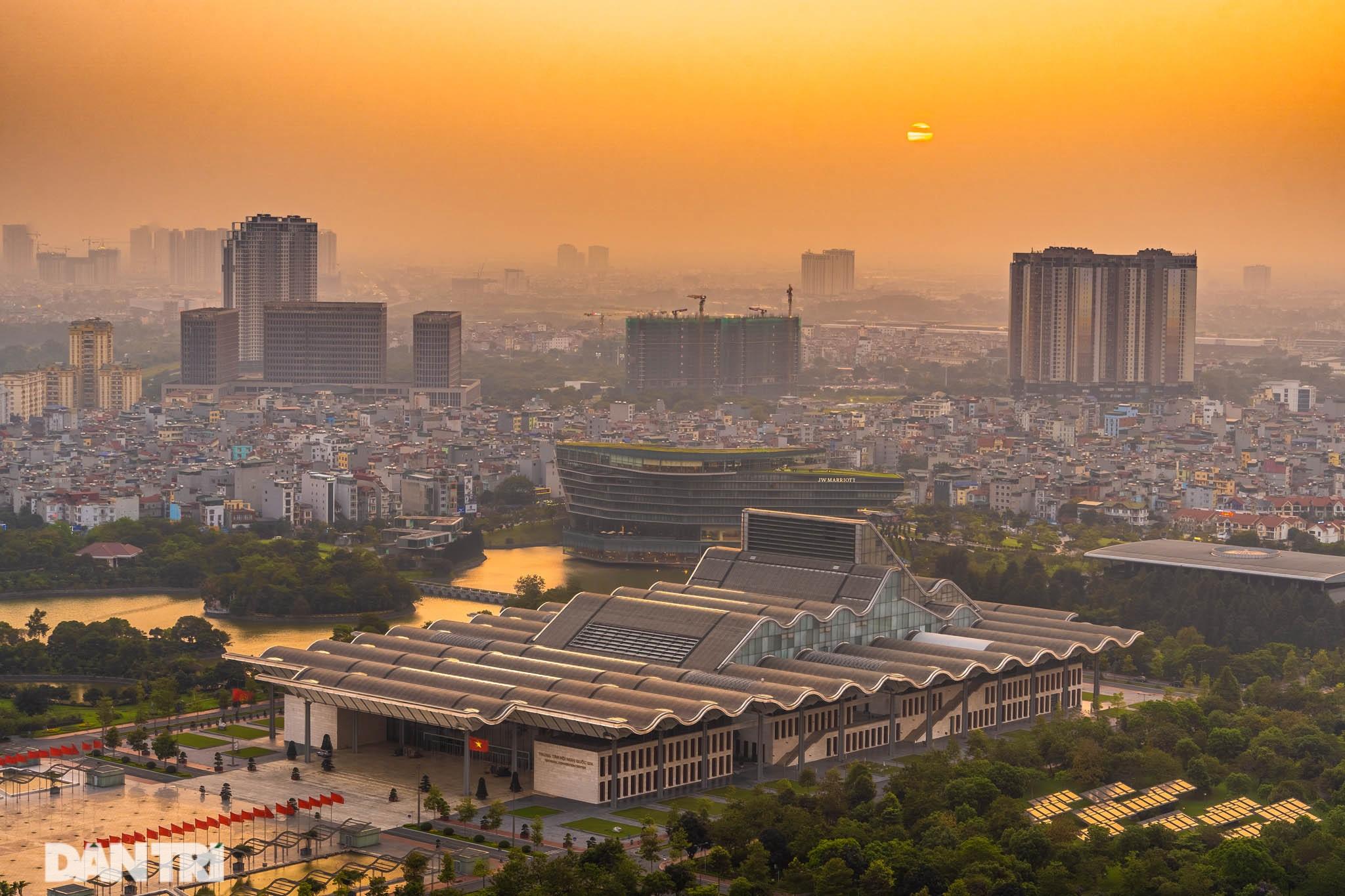 Vẻ đẹp của một Hà Nội hiện đại, sôi động nhìn từ trong mây - 6
