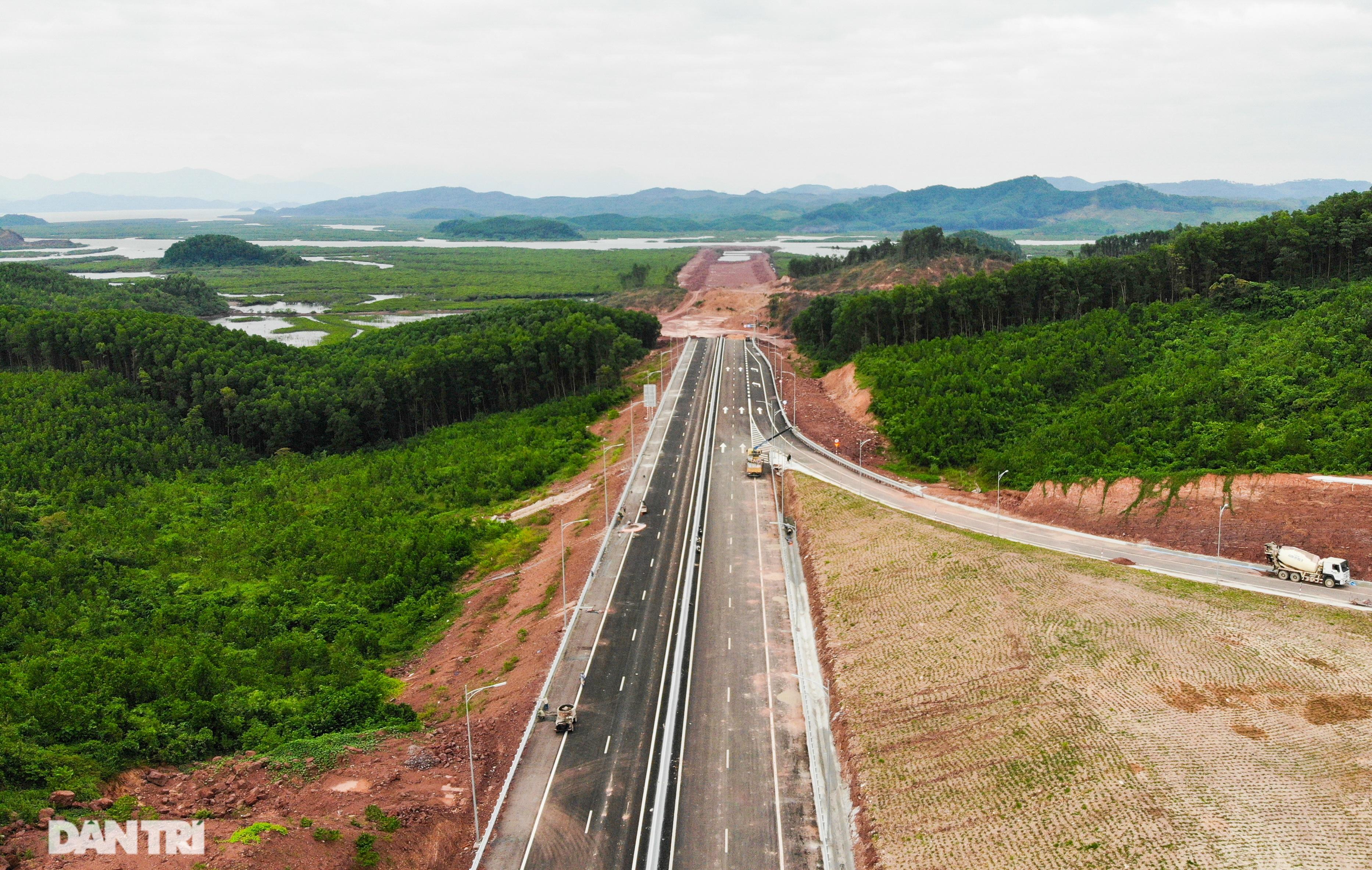 Toàn cảnh cao tốc Vân Đồn – Móng Cái hơn 11 nghìn tỷ đồng đang hình thành - 14