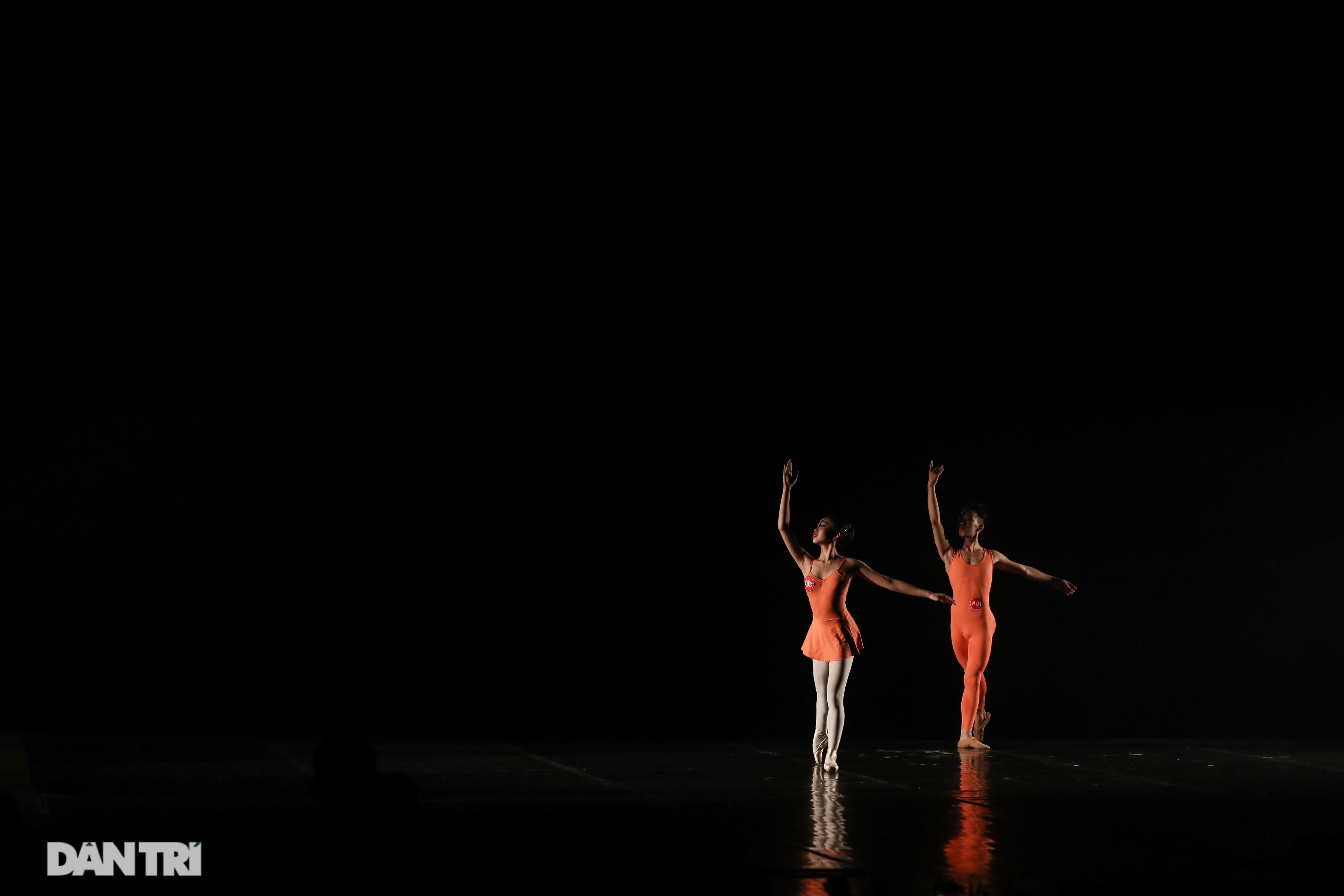 Khoảnh khắc mê hồn tại cuộc thi Tài năng biểu diễn múa - 30