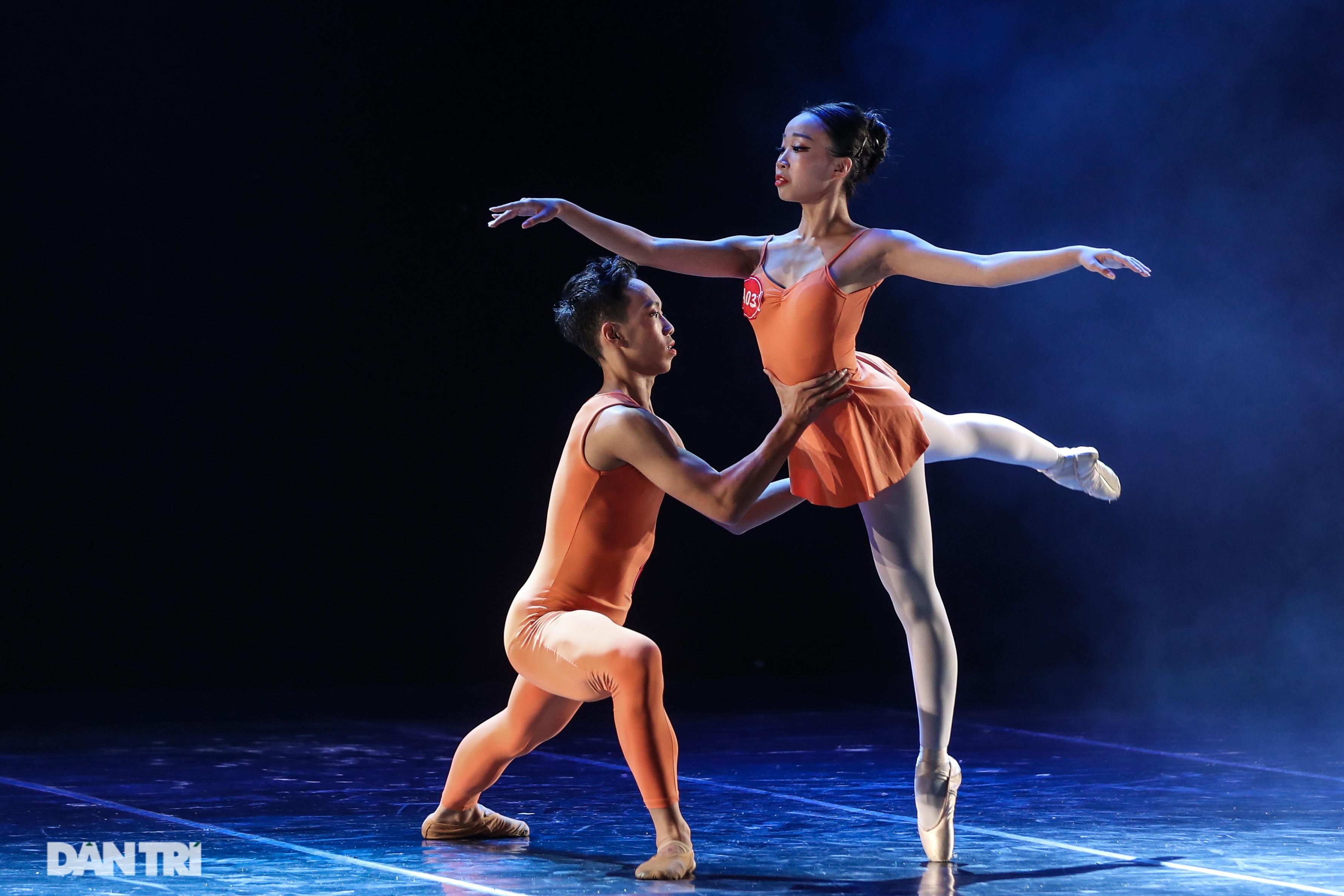 Khoảnh khắc mê hồn tại cuộc thi Tài năng biểu diễn múa - 16
